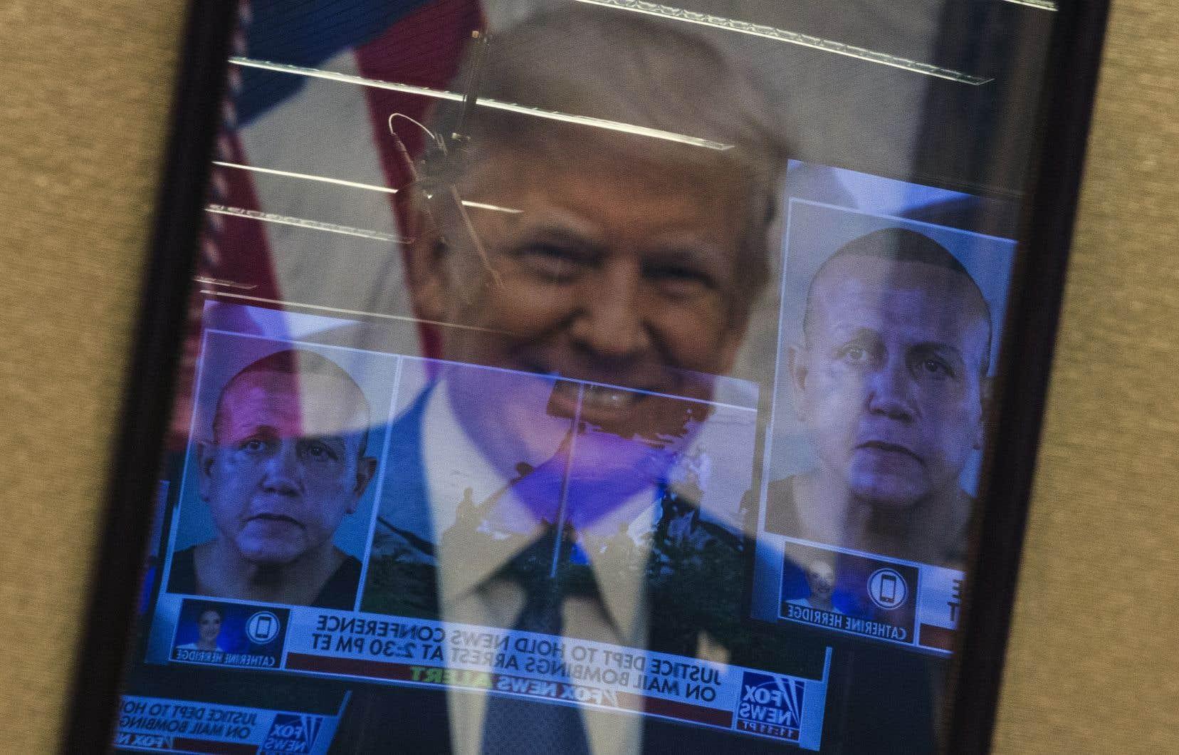 Le suspect Cesar Sayoc, qui a déjà eu des démêlés avec la justice, donne l'image d'un homme farouchement pro-Trump.