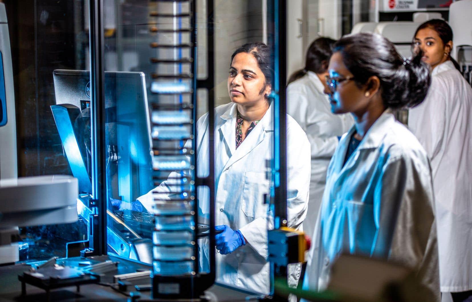 Concordia abrite depuis l'été dernier une fonderie de génomes. Premier laboratoire du genre au pays, il permet notamment l'automatisation afin d'accélérer la recherche en biologie synthétique.