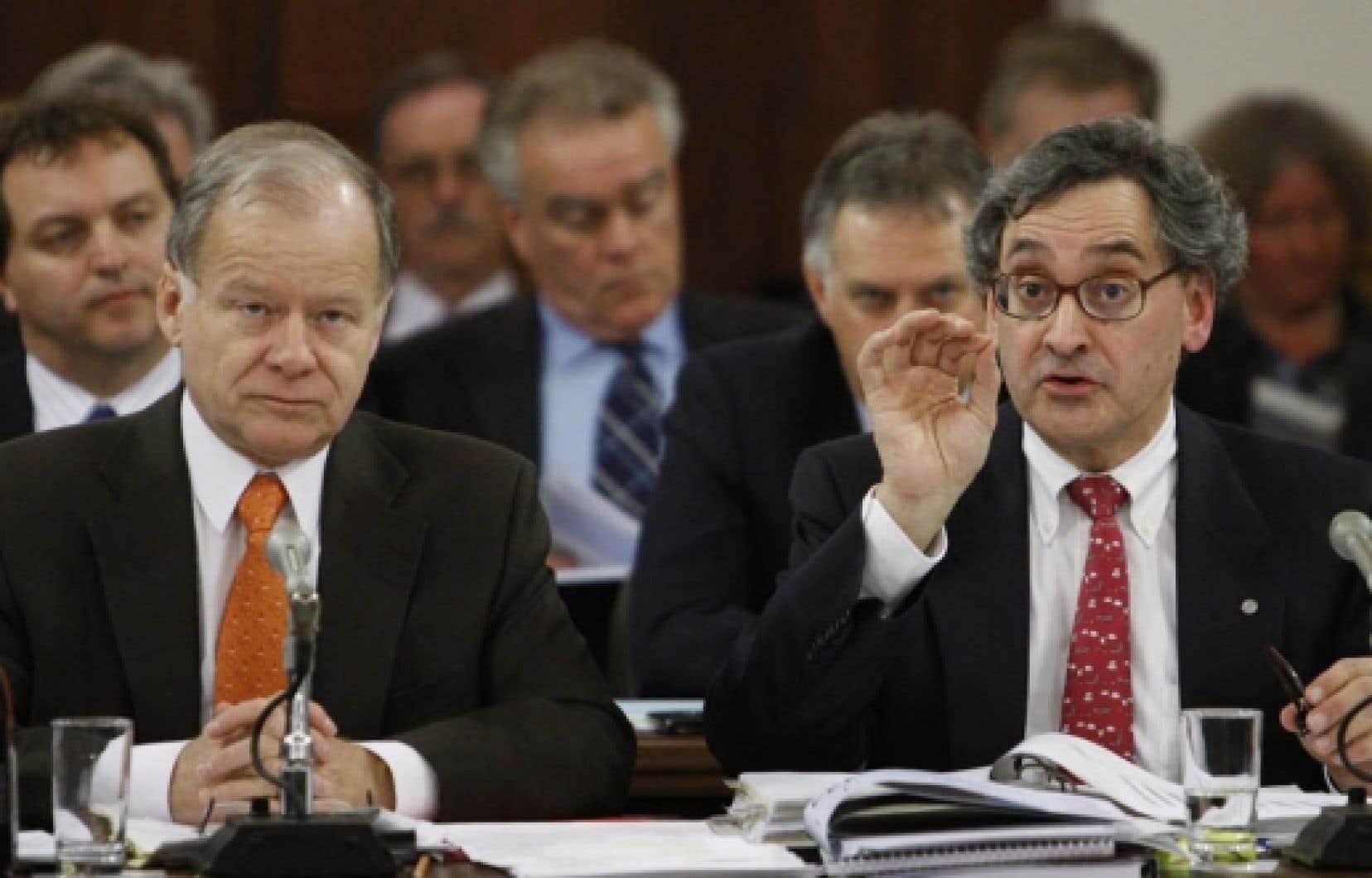Le ministre des Finances, Raymond Bachand, s'est dit d'accord avec le grand patron de la Caisse de dépôt et placement, Michael Sabia, qui trouve inutile d'établir pourquoi son organisation a connu d'aussi mauvais résultats en 2008.