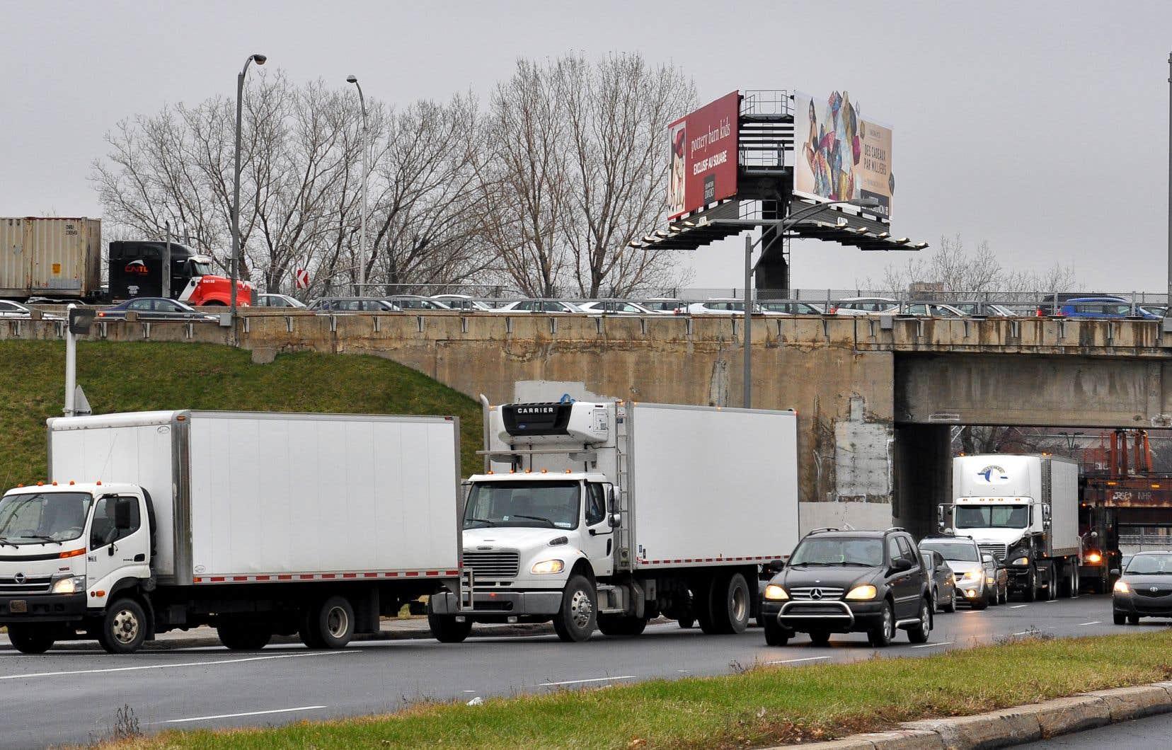 À Montréal, des centaines de milliers de personnes subissent leur part de problèmes de congestion routière en se demandant ce qui cloche avec le parti nouvellement au pouvoir, estime l'auteur.