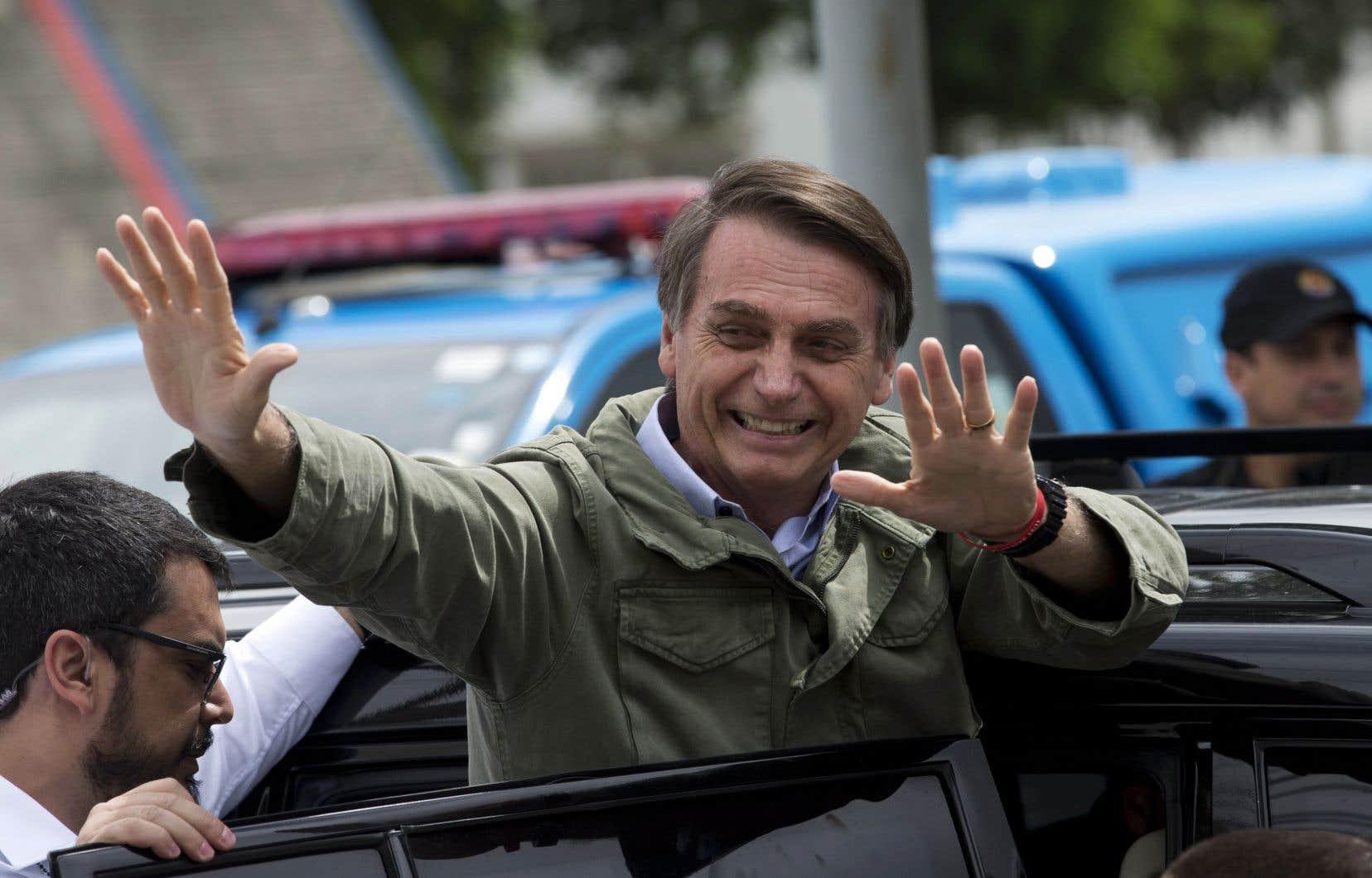 «Bolsonaro a proclamé à de nombreuses reprises ses opinions racistes et homophobes», remarque l'auteur.