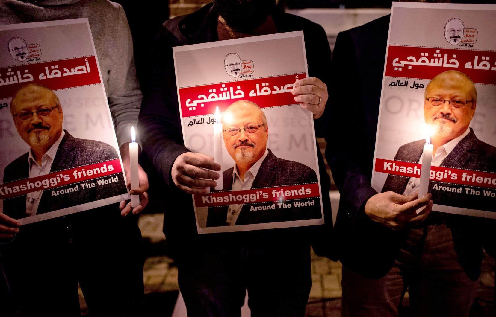 Veillée à la mémoire de Jamal Khashoggi à l'extérieur du consulat de l'Arabie saoudite à Istanbul le 25 octobre dernier