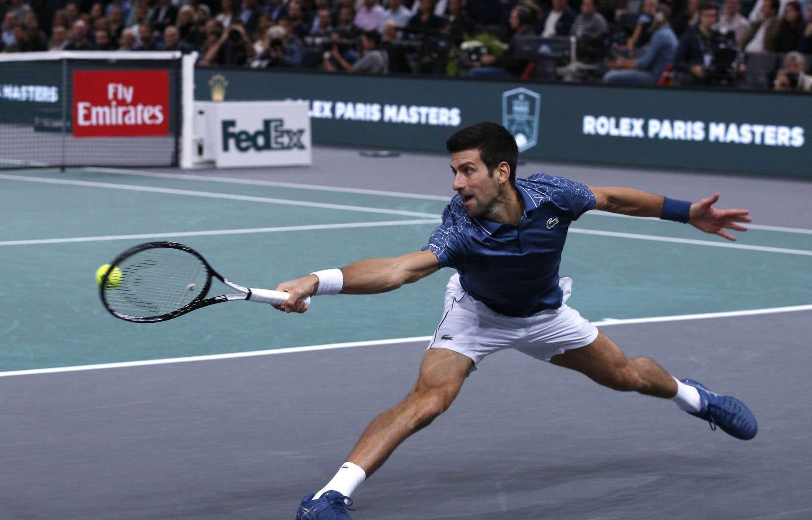 Novak Djokovicdevient le premier joueur masculin en presque deux décennies à se hisser au sommet de la hiérarchie mondiale après avoir glissé au-delà du top 20 lors de la même saison.