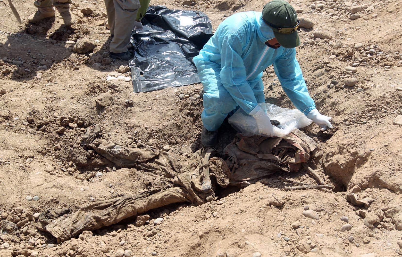 <p>Familles et responsables locaux se plaignent régulièrement de ne voir aucune avancée sur la question des disparus dans un pays où l'on dénombrait déjà au moins un million de disparus à la chute de Saddam Hussein en 2003.</p>