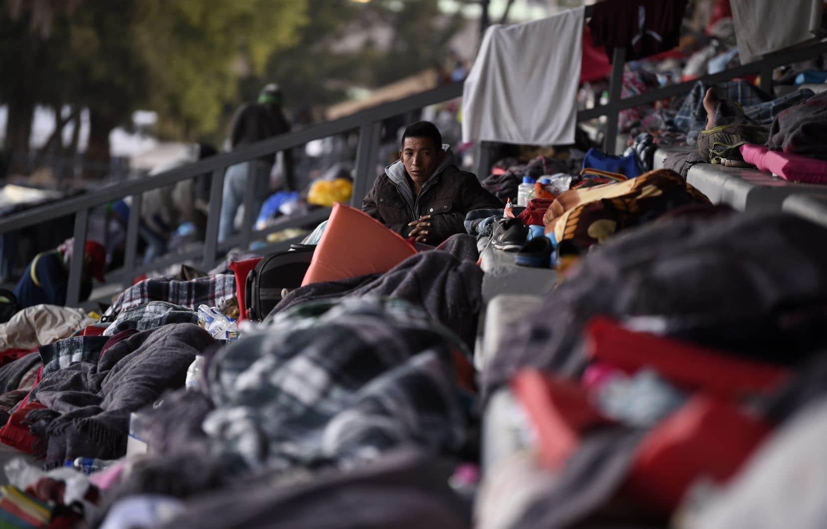 Les migrants n'étant pas arrivés sur le territoire américain via un point d'entrée officiel ne pourront pas déposer de demande d'asile.