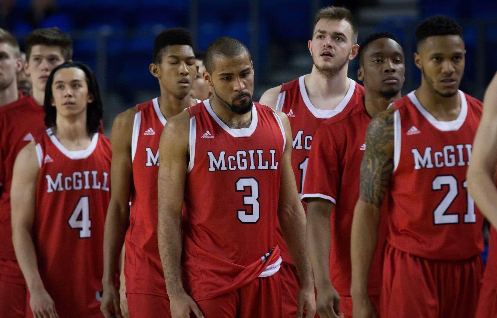 Les équipes masculines de l'Université McGill sont appelées les «Redmen», un terme péjoratif employé pour décrire les Amérindiens.