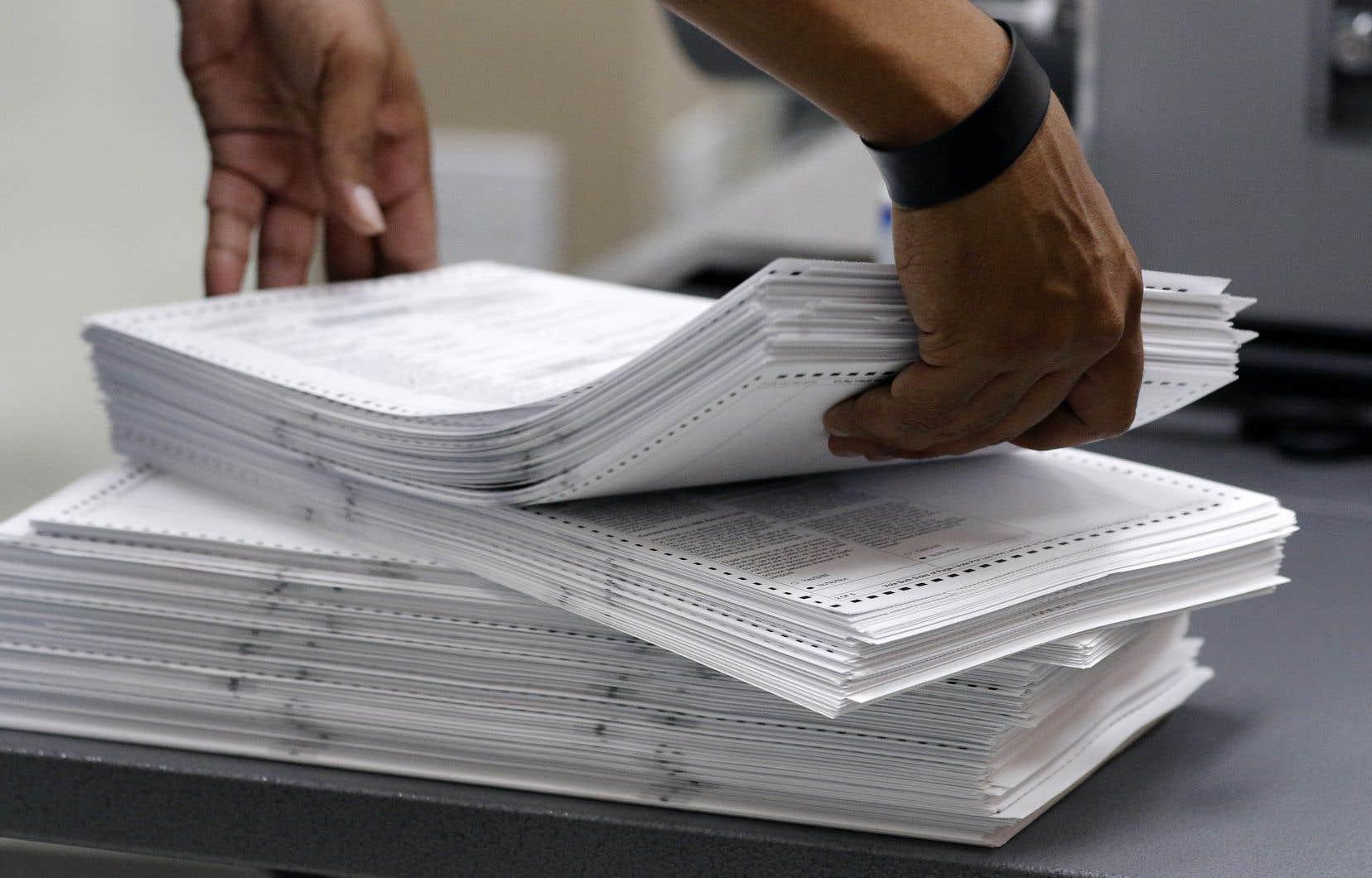 La Floride a ordonné samedi un recomptage des voix dans le cadre de l'élection du gouverneur de l'État et d'un sénateur.