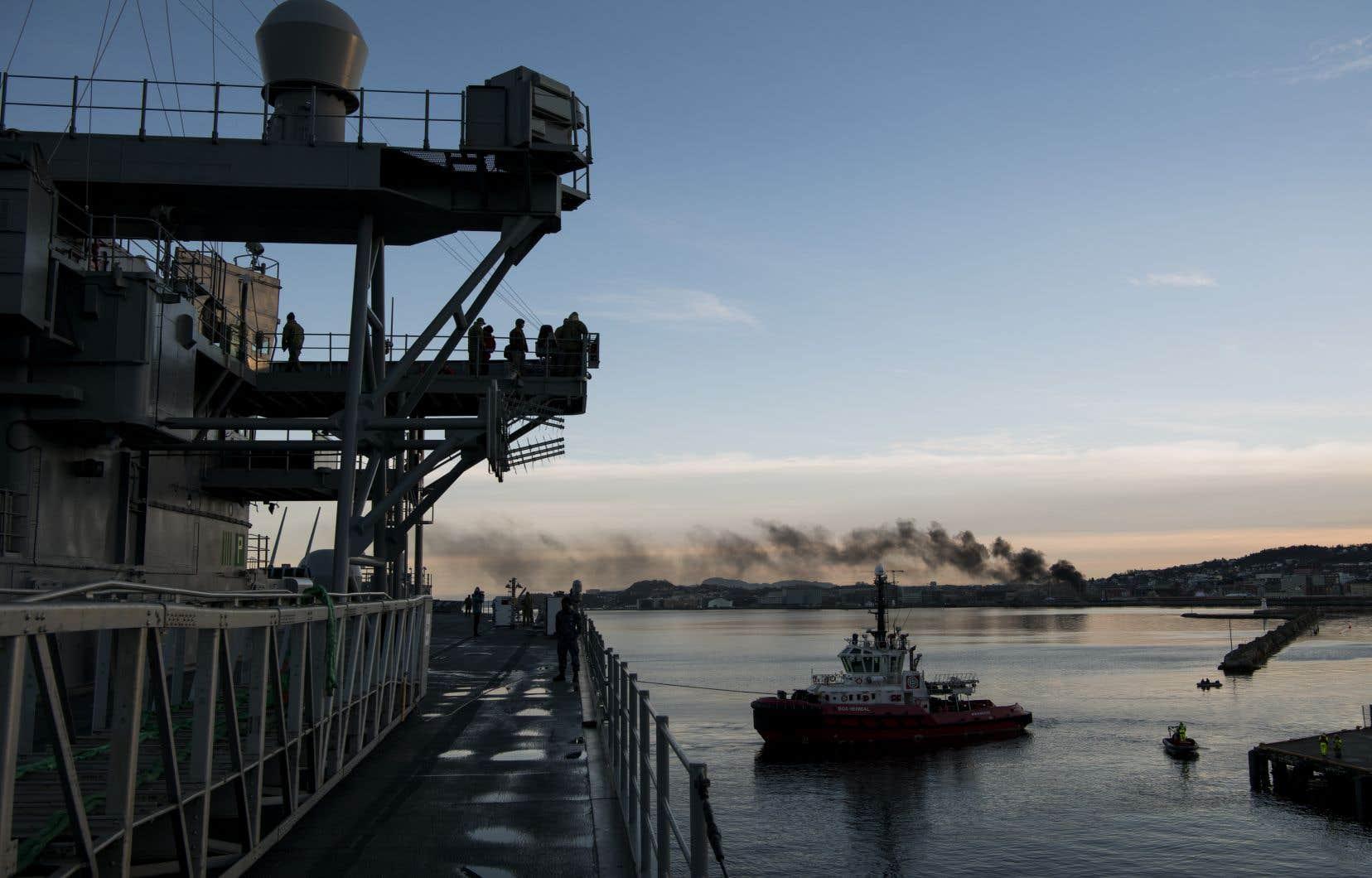Le brouillage des signaux GPS a été enregistré au cours de <em>Trident Juncture 2018</em>, le plus vaste exercice mené par l'OTAN depuis la guerre froide. Sur la photo, le navire de commandement <em>USS Mount Whitney</em>.