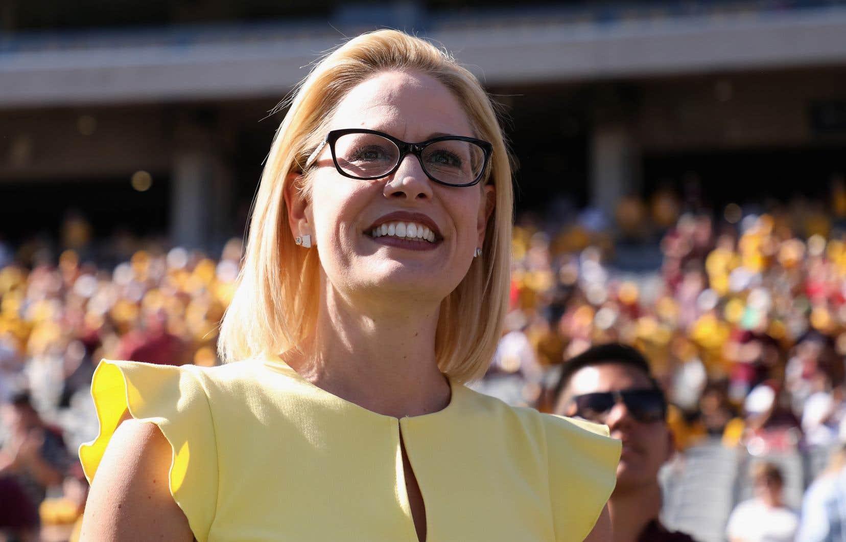 Pendant la campagne électorale, la démocrate Kyrsten Sinema s'était présentée comme une modérée qui tenterait de travailler avec ses opposants. Elle a finalement battu la républicaineMartha McSally.