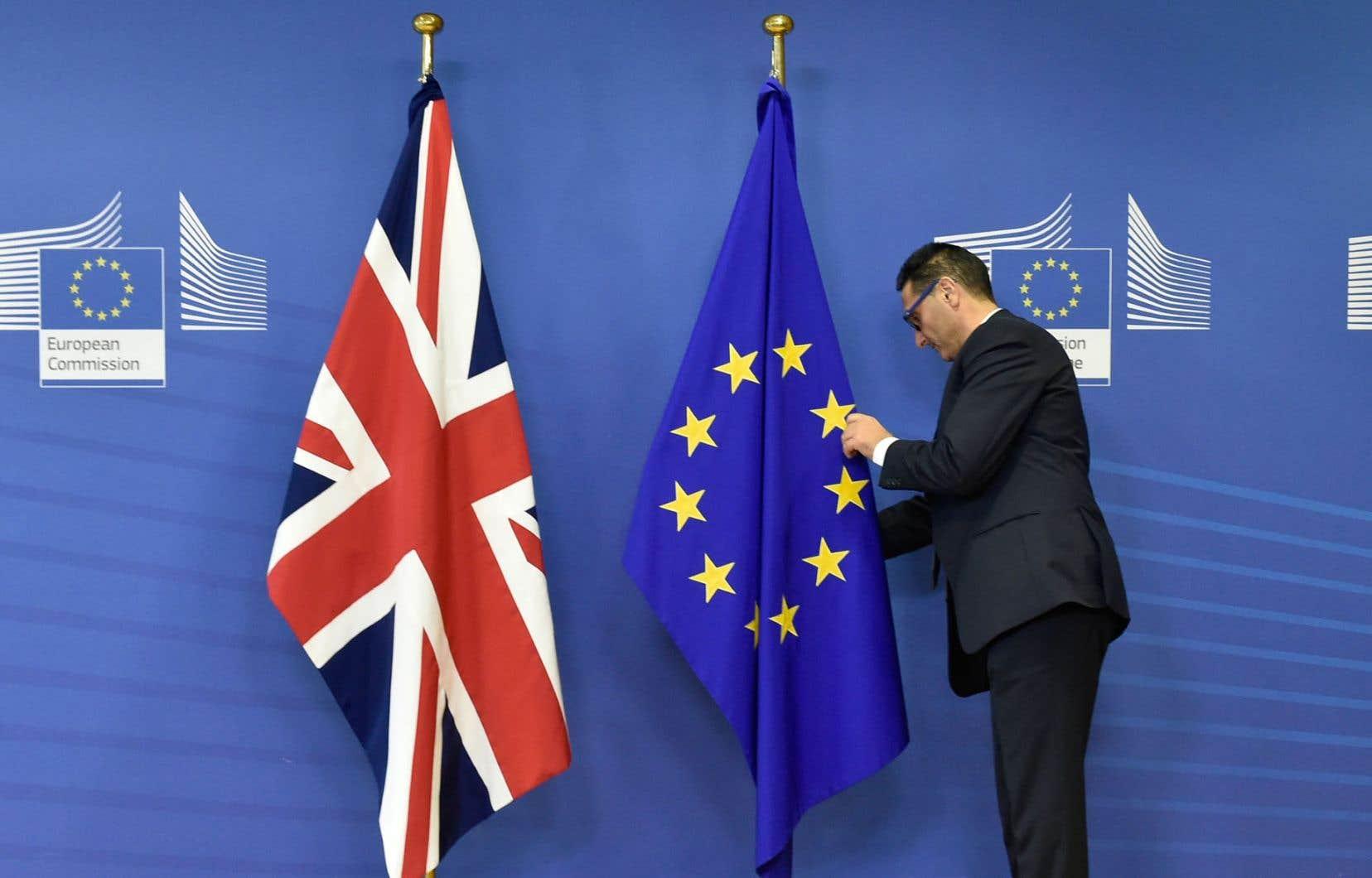 La Commission européenne a établi une liste de plusieurs secteurs à risques de «turbulences» dans l'entente conclue entre Londres et Bruxelles si le Brexit devait ne pas être ratifié.