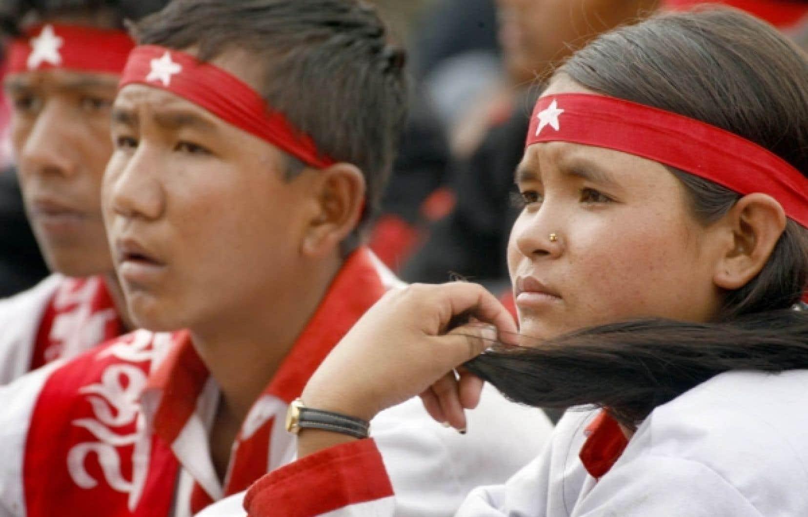 Jeunes maoïstes lors d'un rassemblement à Katmandou, la capitale du Népal.