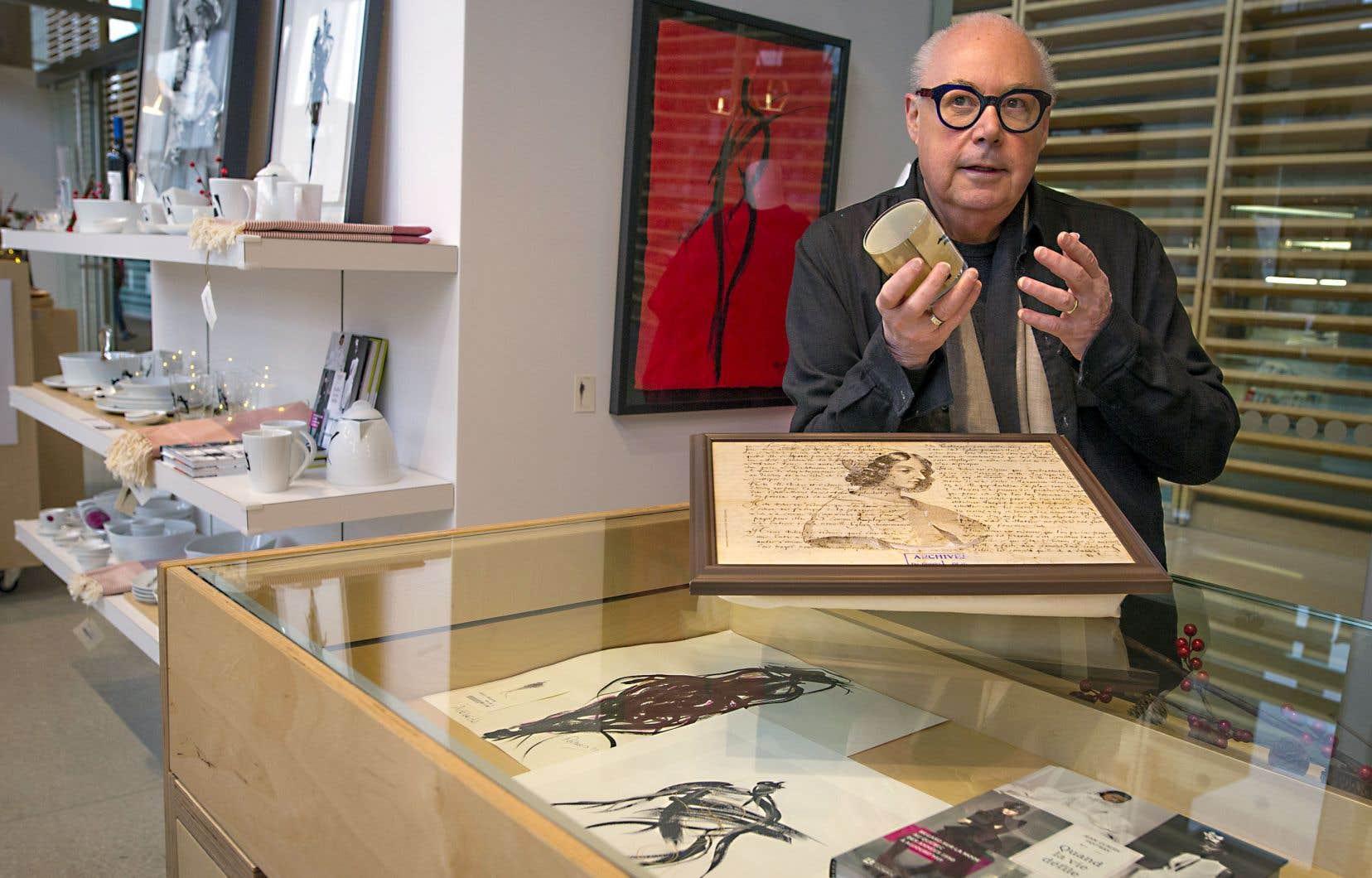 Le designer Jean-Claude Poitras propose vêtements, œuvres d'art et objets de son cru à la nouvelle boutique de BAnQ.