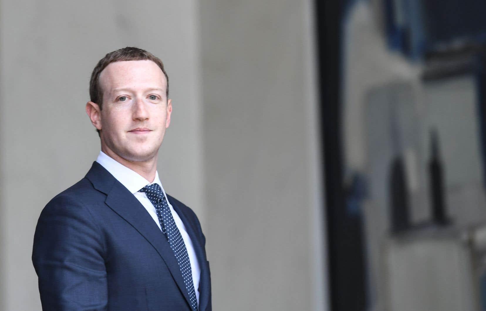 Mark Zuckerberg a affirmé n'avoir appris l'existence de la relation du réseau avec Definers qu'en «lisant l'article du New York Times» mercredi.