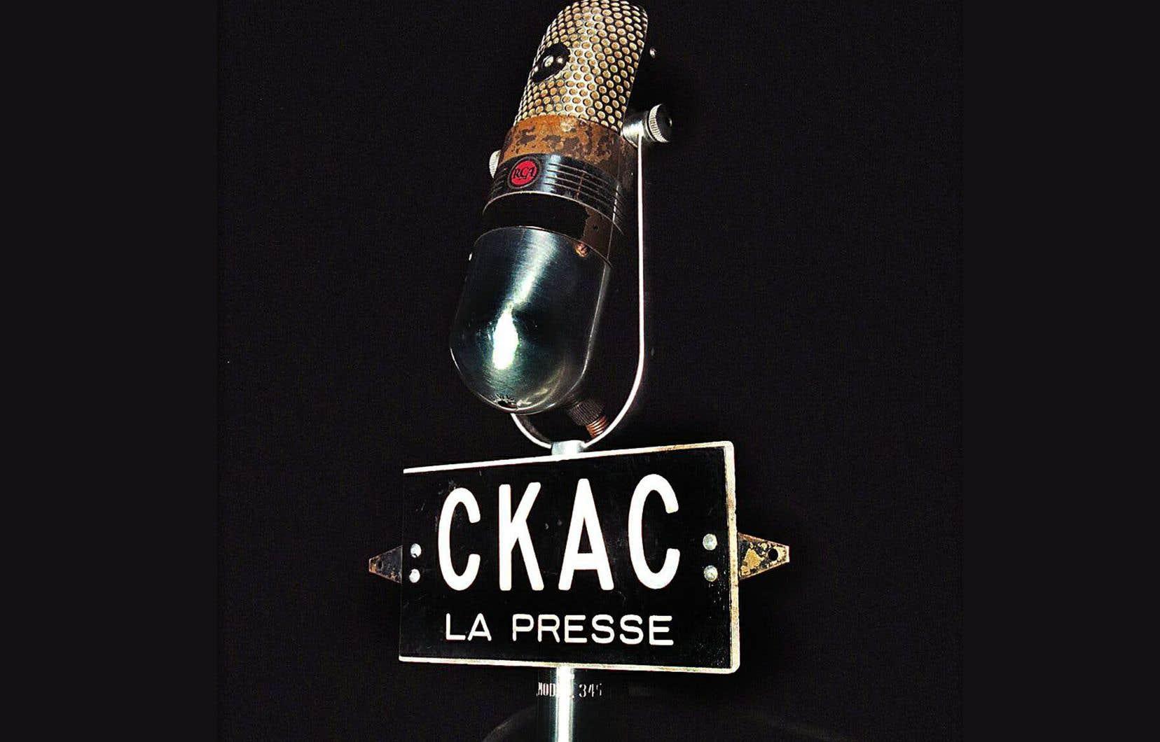 En 1922, «La Presse» s'allie alors à la société Marconi pour fonder la station CKAC, la première du monde francophone.