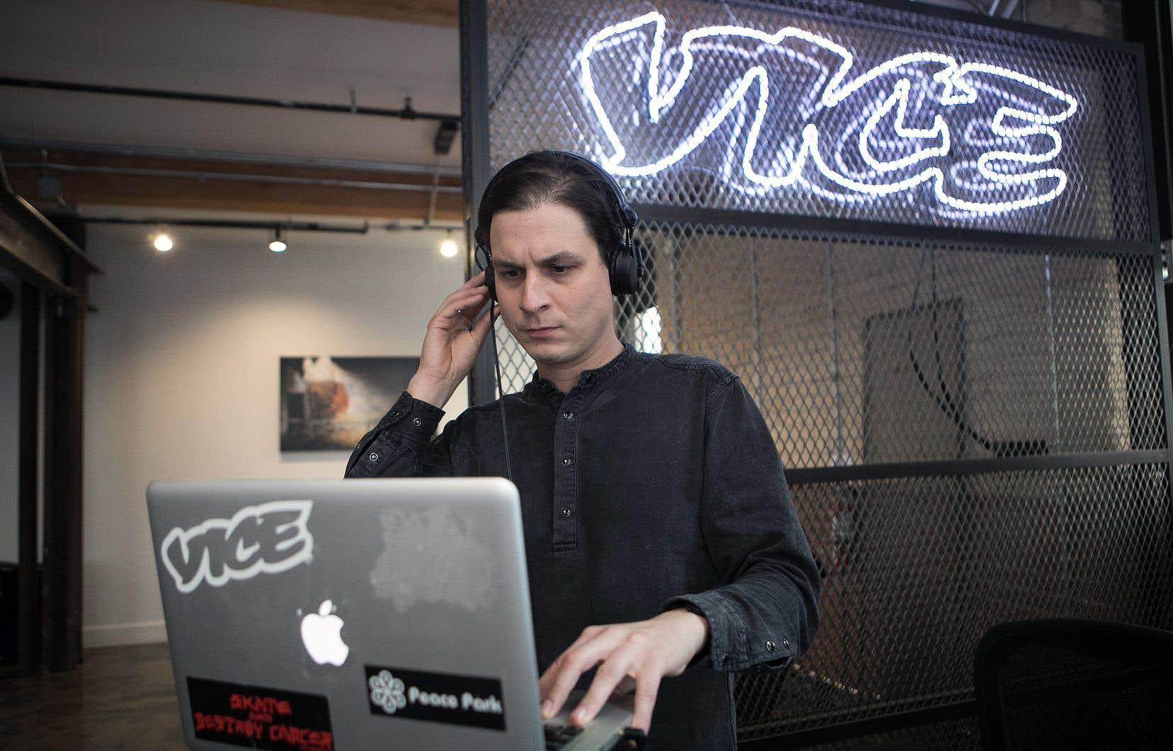 Ces quatre dernières années, Simon Coutu a couvert la scène rap québécoise pour «Vice», un média en marge des zones éclairées. Son expérience et l'étiquette de son média lui ont ouvert des portes et l'ont aidé à obtenir la confiance de plusieurs rappeurs, qui se confient à lui.