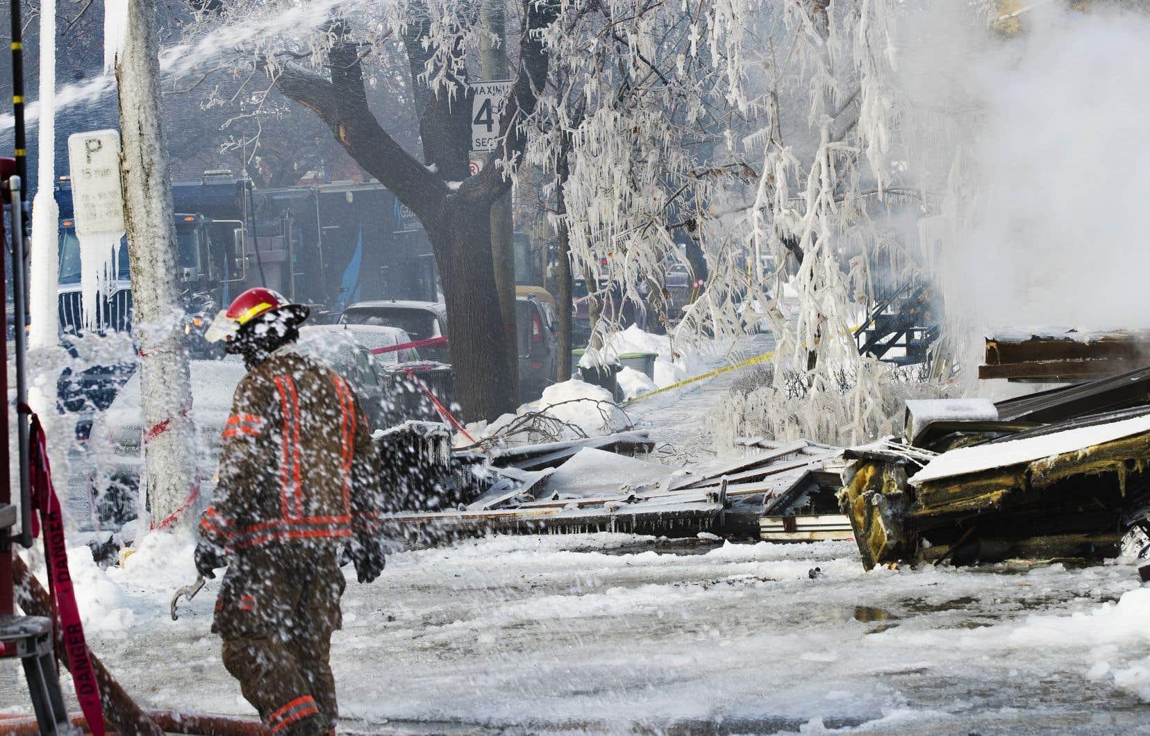 La hausse de blessures parmi les pompiers en 2018 est attribuable à l'augmentation du nombre d'incendies majeurs nécessitant cinq alertes dans les trois premiers mois de l'année, selon le directeur du SIM.