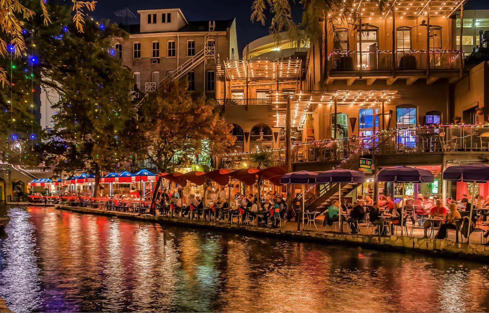<p>Le fameux River Walk,attrait majeur de San Antonio</p>