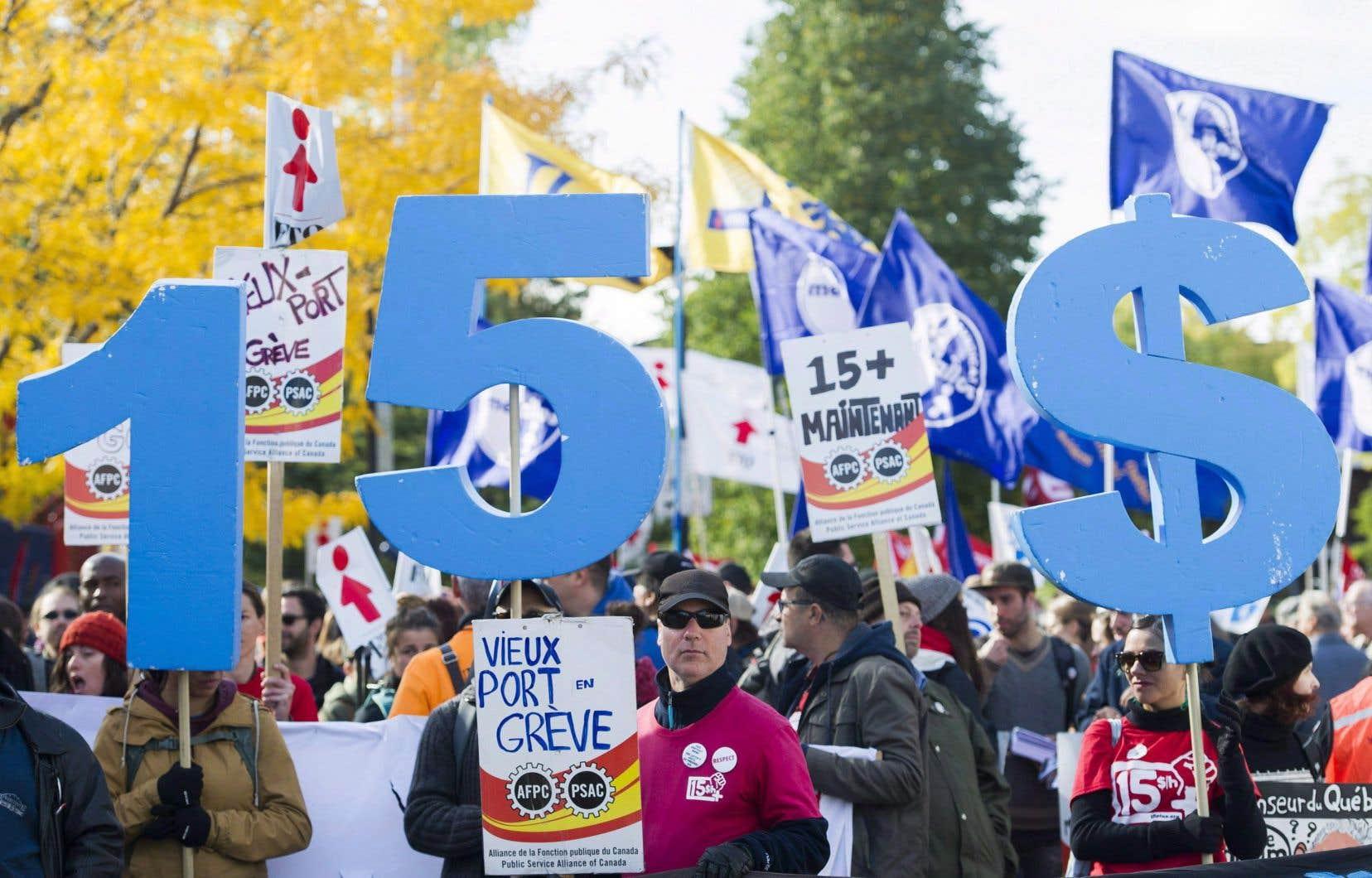 Selon la CSQ, près de 230000 travailleurs sont présentement rémunérés au salaire minimum.
