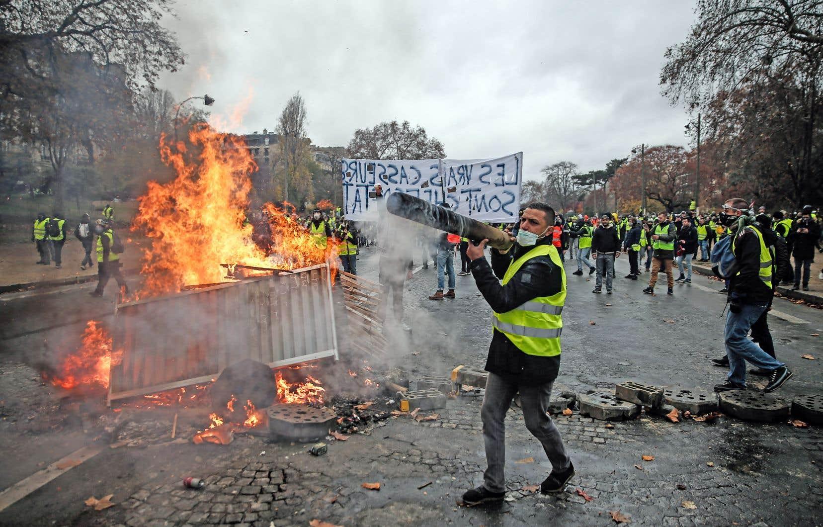 Toute la journée de samedi, des casseurs et un certain nombre de «gilets jaunes» ont tenu en haleine plus de 5000 policiers.