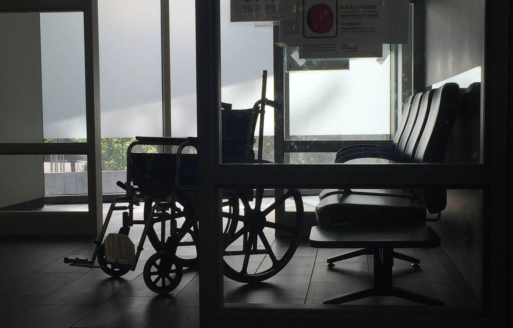 Les accidentés de la route ou les autres cas de traumatologie sont dirigés vers l'Hôpital de Mont-Laurier.