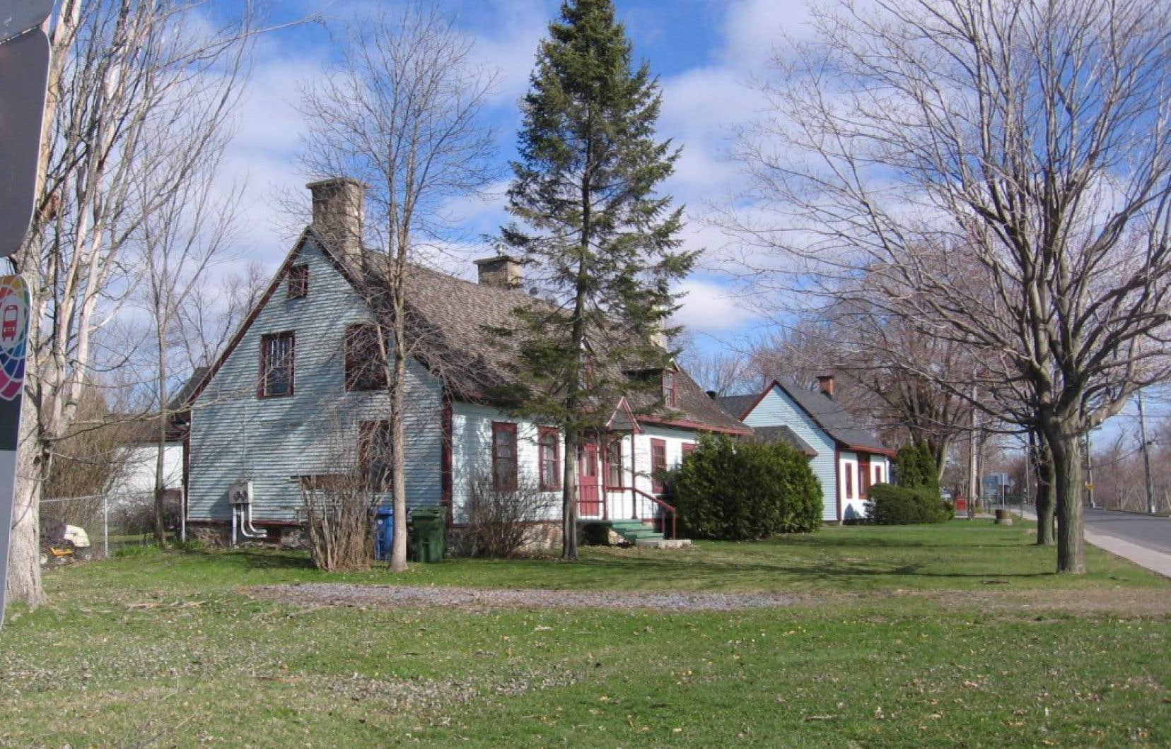 En 2016, le conseil municipal de Chambly avait autorisé la démolition de l'immeuble. Peu après, la Ville avait acheté la maison Boileau avec l'intention de la sauver.