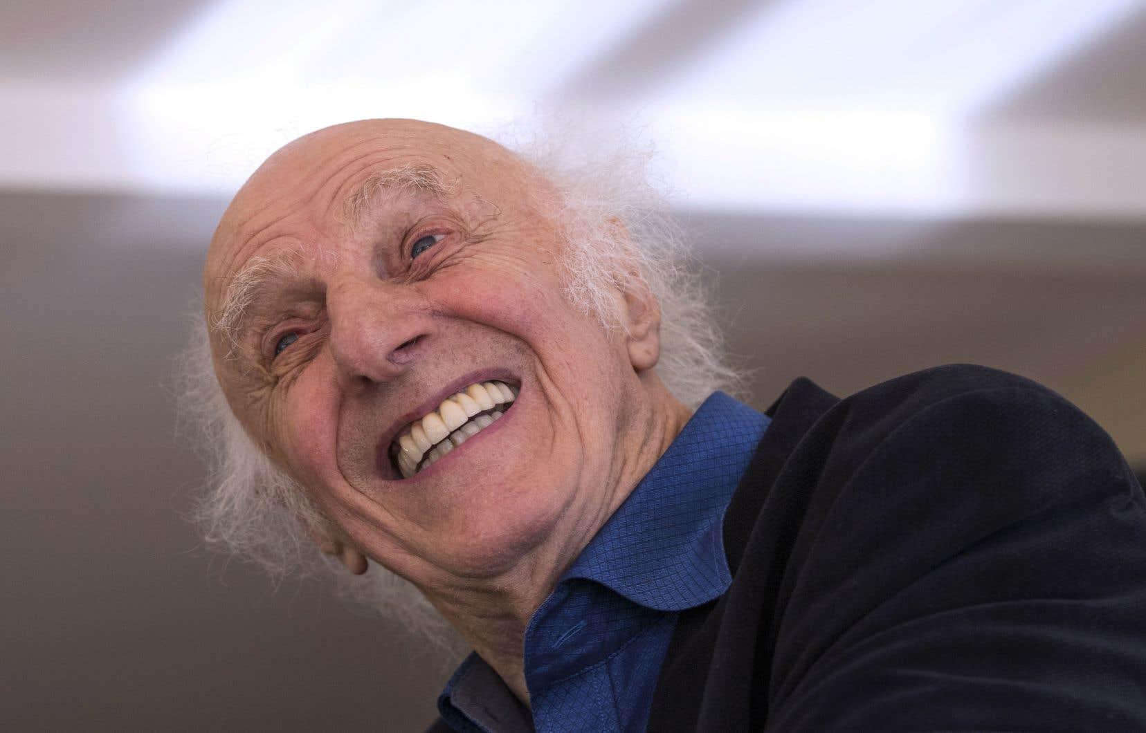 Le poète-chansonnier Gilles Vigneault souligne ses 90ans avec le coffret «Le temps qu'il fait sur mon pays», composé de huit albums, parus entre 1971 et 1983, présentés sous forme de livre.