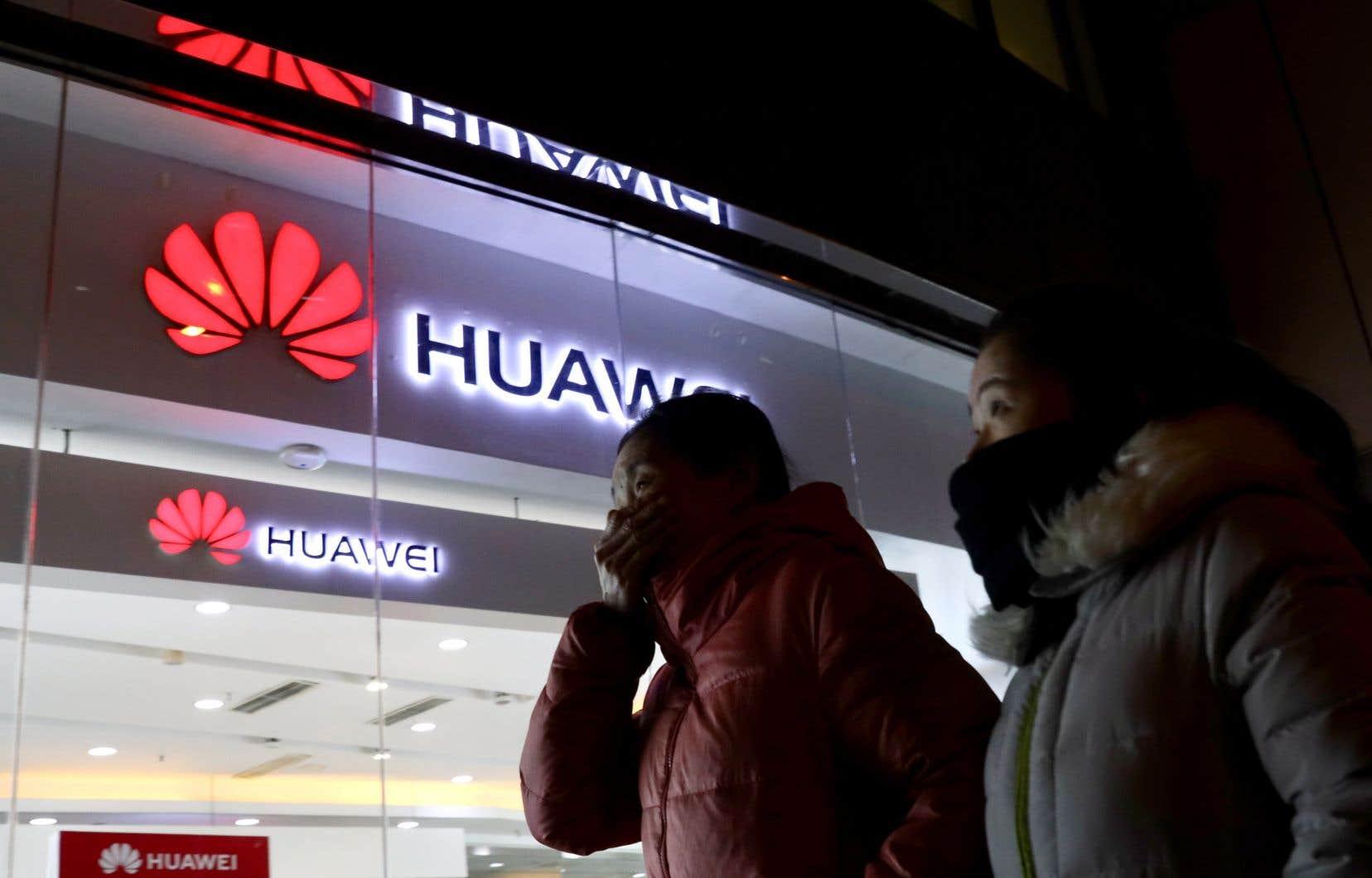 Meng Wanzhou, directrice des finances de Huawei Technologies, est soupçonnée par les États-Unis d'avoir contribué à l'exportation vers l'Iran de produits américains.