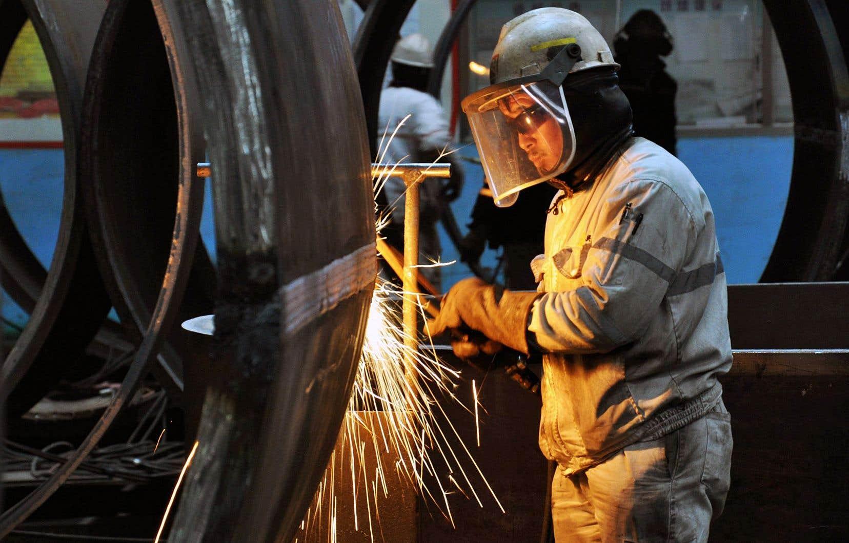 Avec la pénurie de main-d'oeuvre au Québec, le programme des travailleurs temporaires, qui touchait auparavant surtout les travailleurs agricoles ou les aides domestiques, se généralise dans tous les secteurs de l'économie.