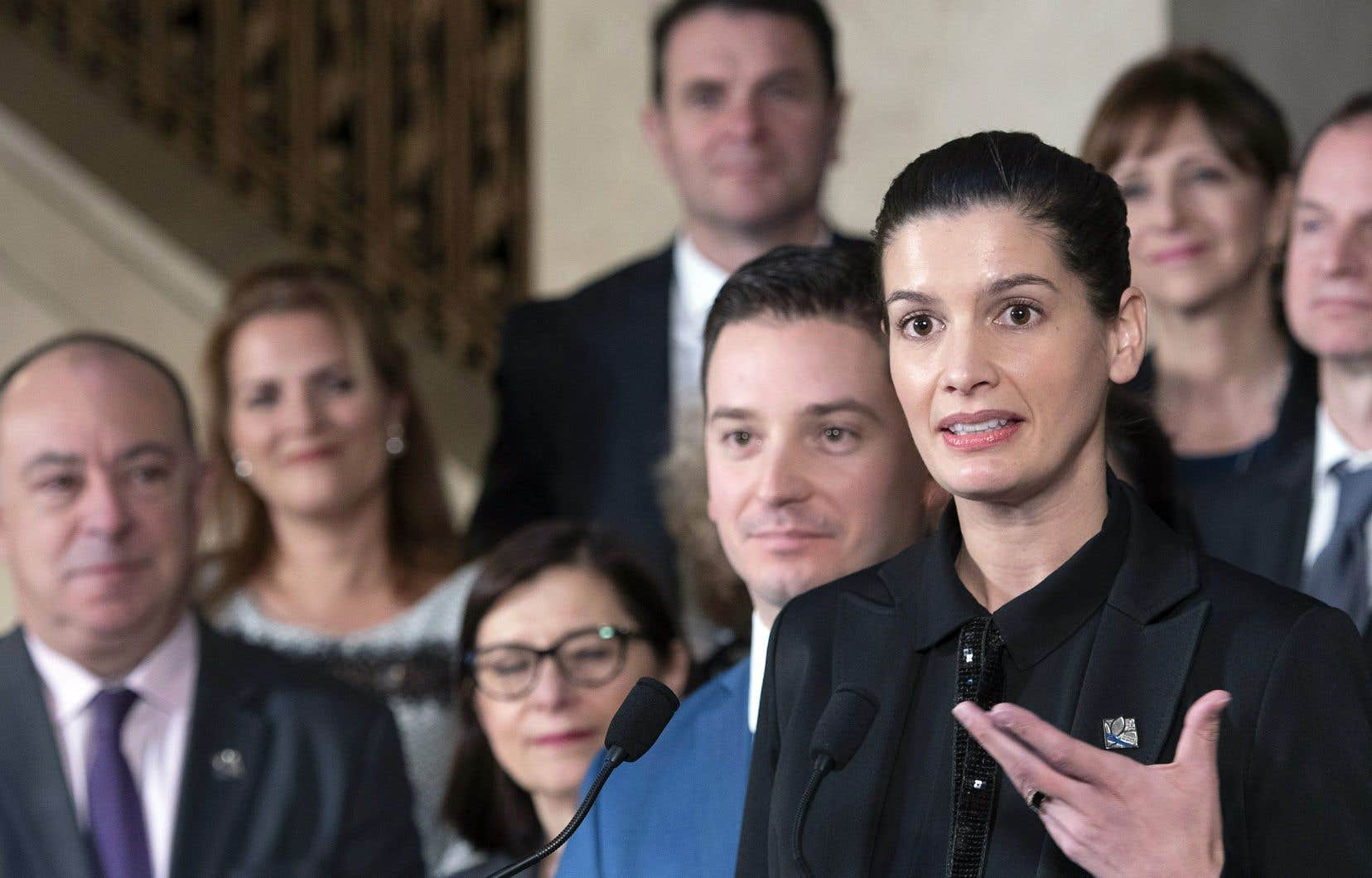 La vice-première ministre et ministre de la Sécurité publique, Geneviève Guilbault, a livré le bilan sessionnel en l'absence de François Legault, qui participait à une rencontre des premiers ministres du Canada.