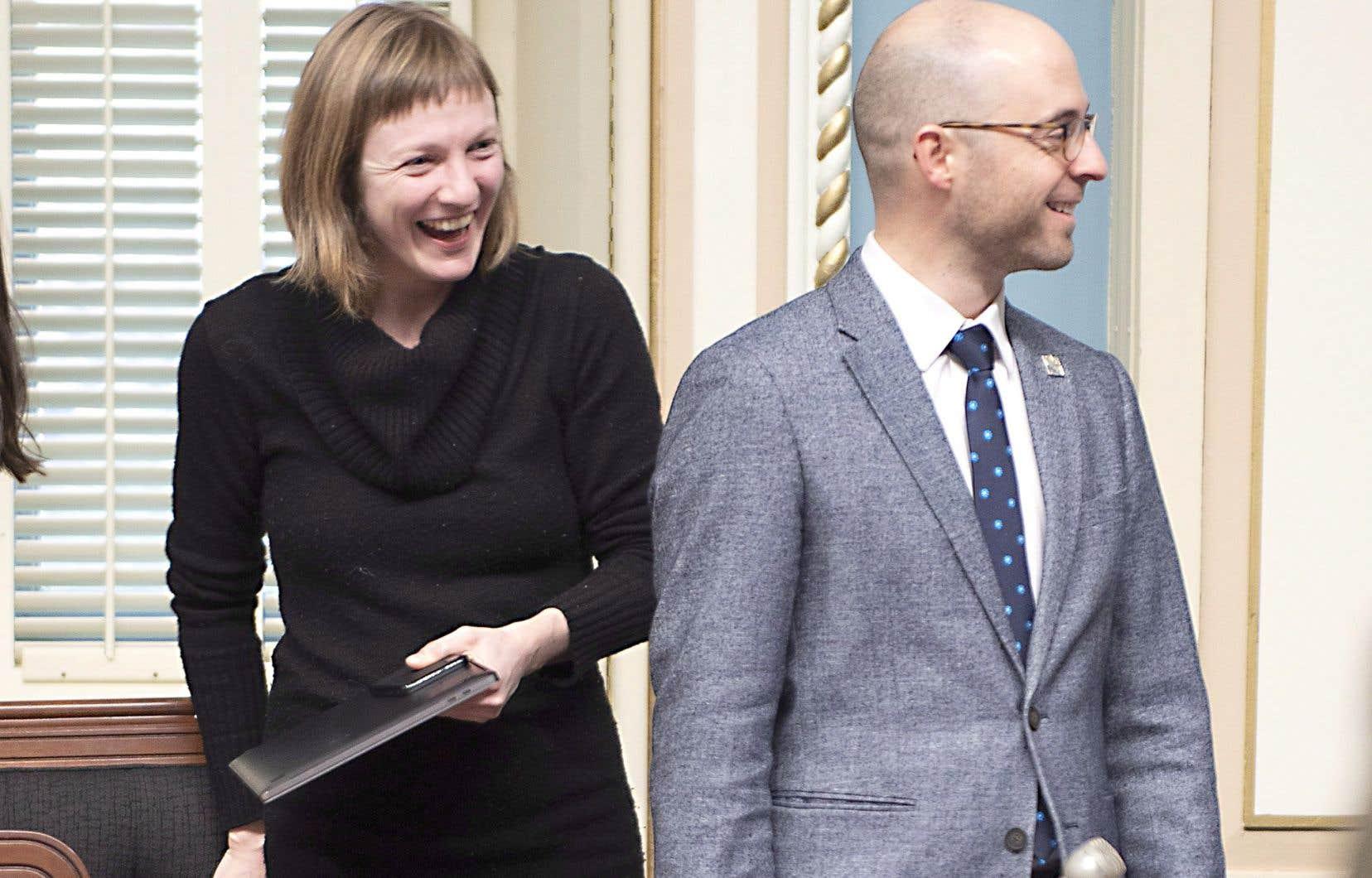Les députés solidaires Catherine Dorion et Sol Zanetti au Salon bleu mercredi