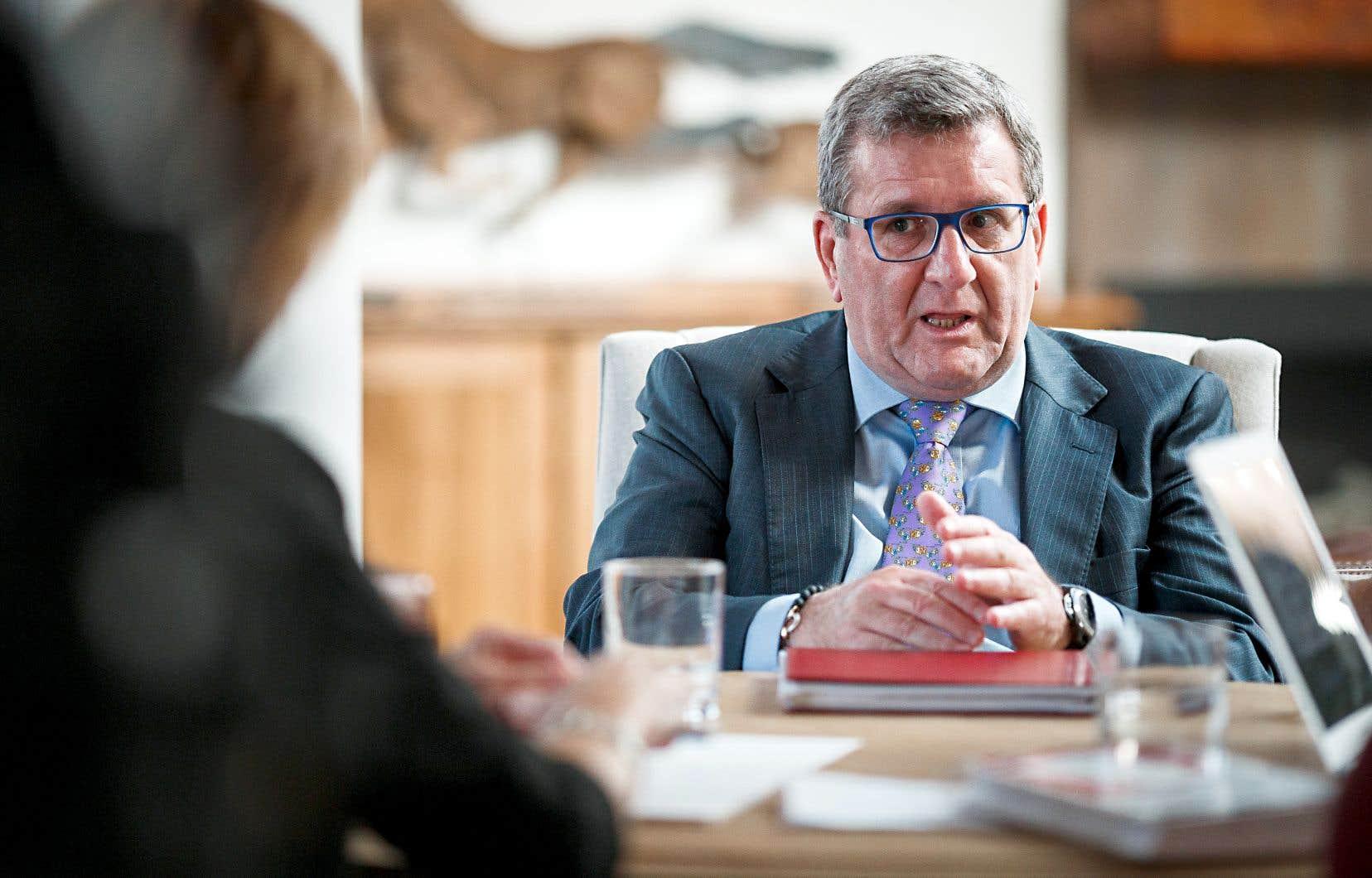 Le maire de Québec, Régis Labeaume, affirme que le budget 2019 respecte ses engagements électoraux.