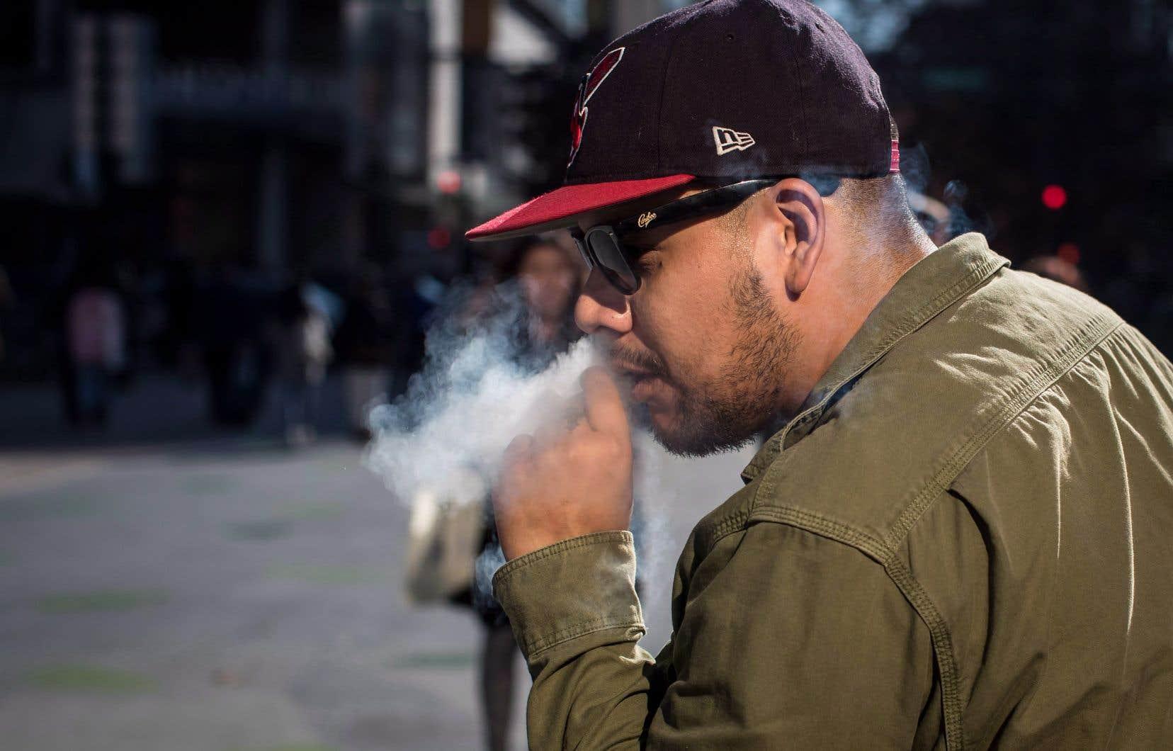 Le projet de loi 2 du gouvernement Legault fait passer à 21 ans l'âge pour un accès légal au cannabis.