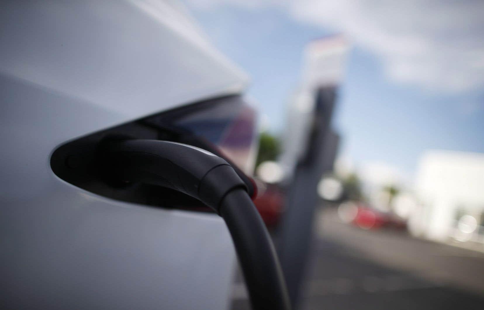 Le Québec compte déjà quelque 125 bornes à recharge rapide.