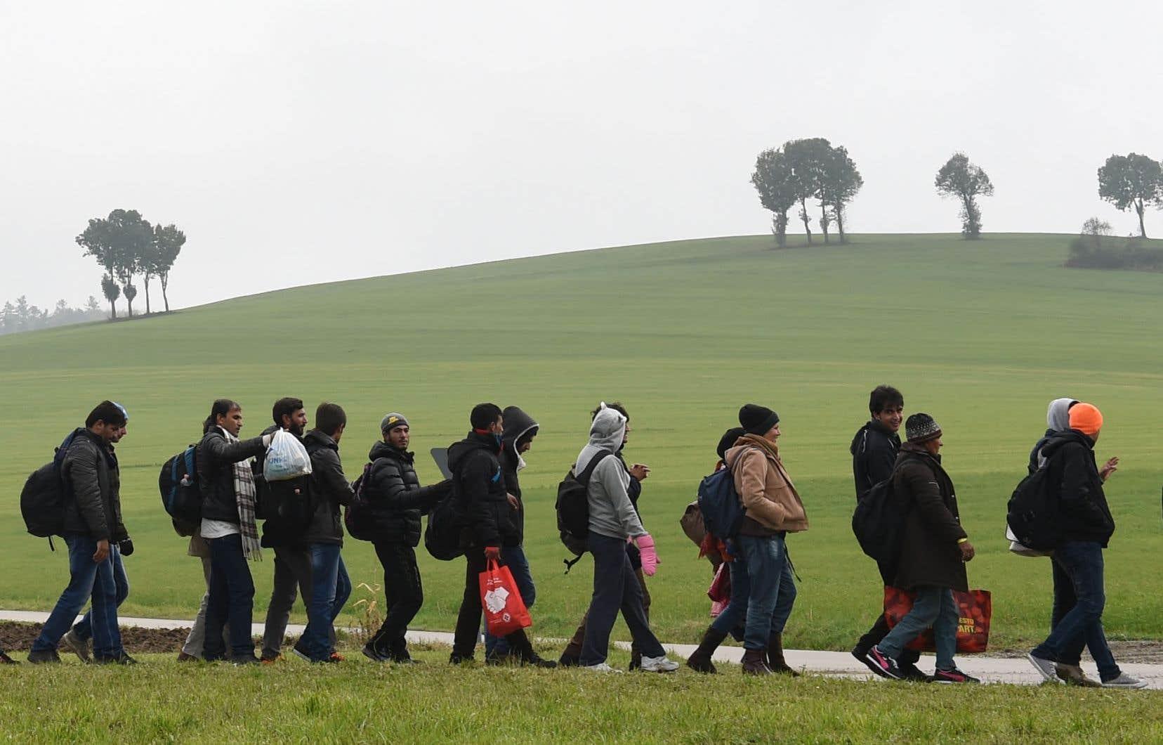 Une bonne partie des États membres de l'ONU n'acceptent déjà pas de migrants, ou n'en acceptent qu'un nombre symbolique, et ce n'est pas le pacte qui va les faire changer d'idée ou qui va y amener des migrants, selon l'auteur.