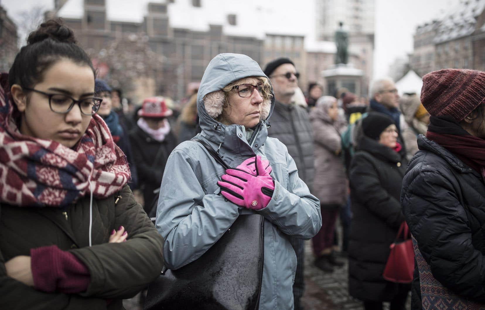 La cérémonie d'une heure s'est déroulée sur la place Kléber, près du célèbre marché de Noël où a eu lieu la tragédie.