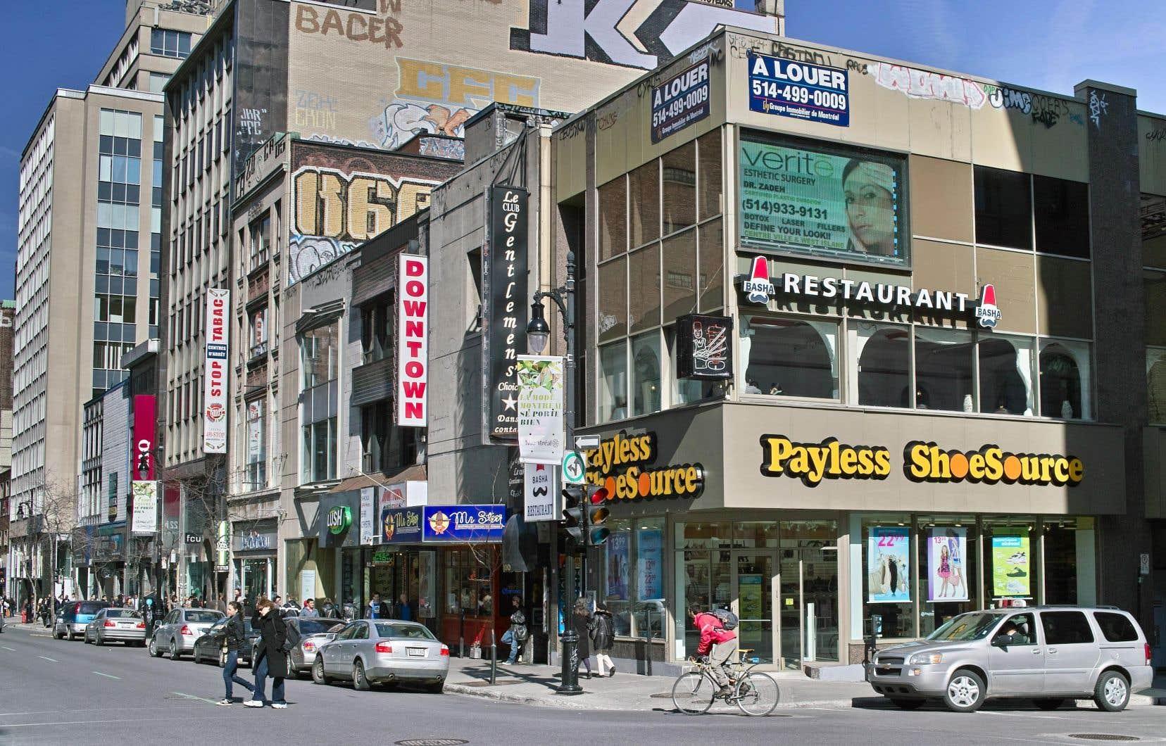 La ministre de la Langue française, Nathalie Roy, dit constater une baisse du respect de la loi 101 dans l'affichage commercial à Montréal.