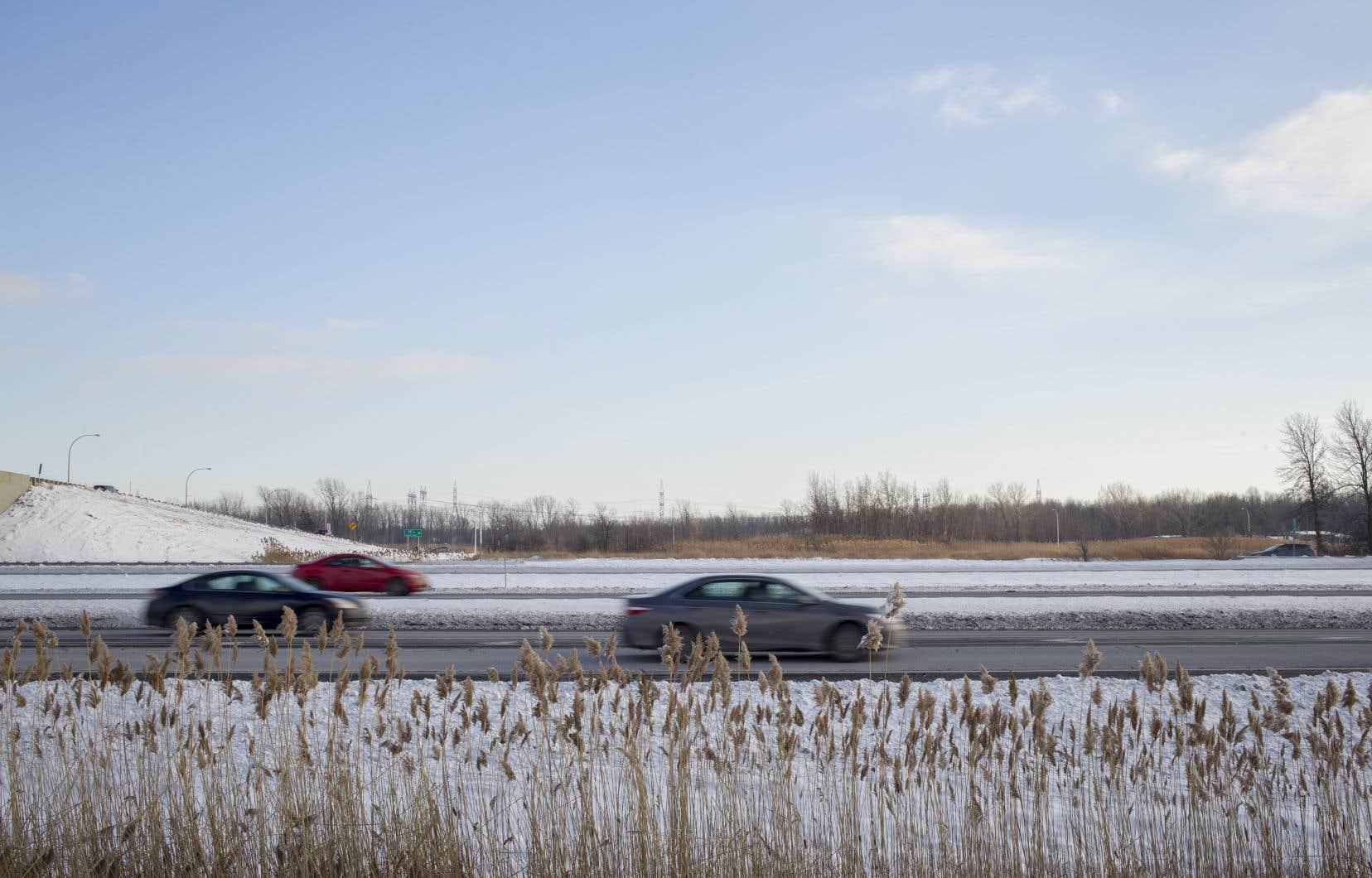 Durant la fermeture, les usagers de la route sont invités à suivre un chemin de détours balisés, qui a été mis en place sur le réseau local.