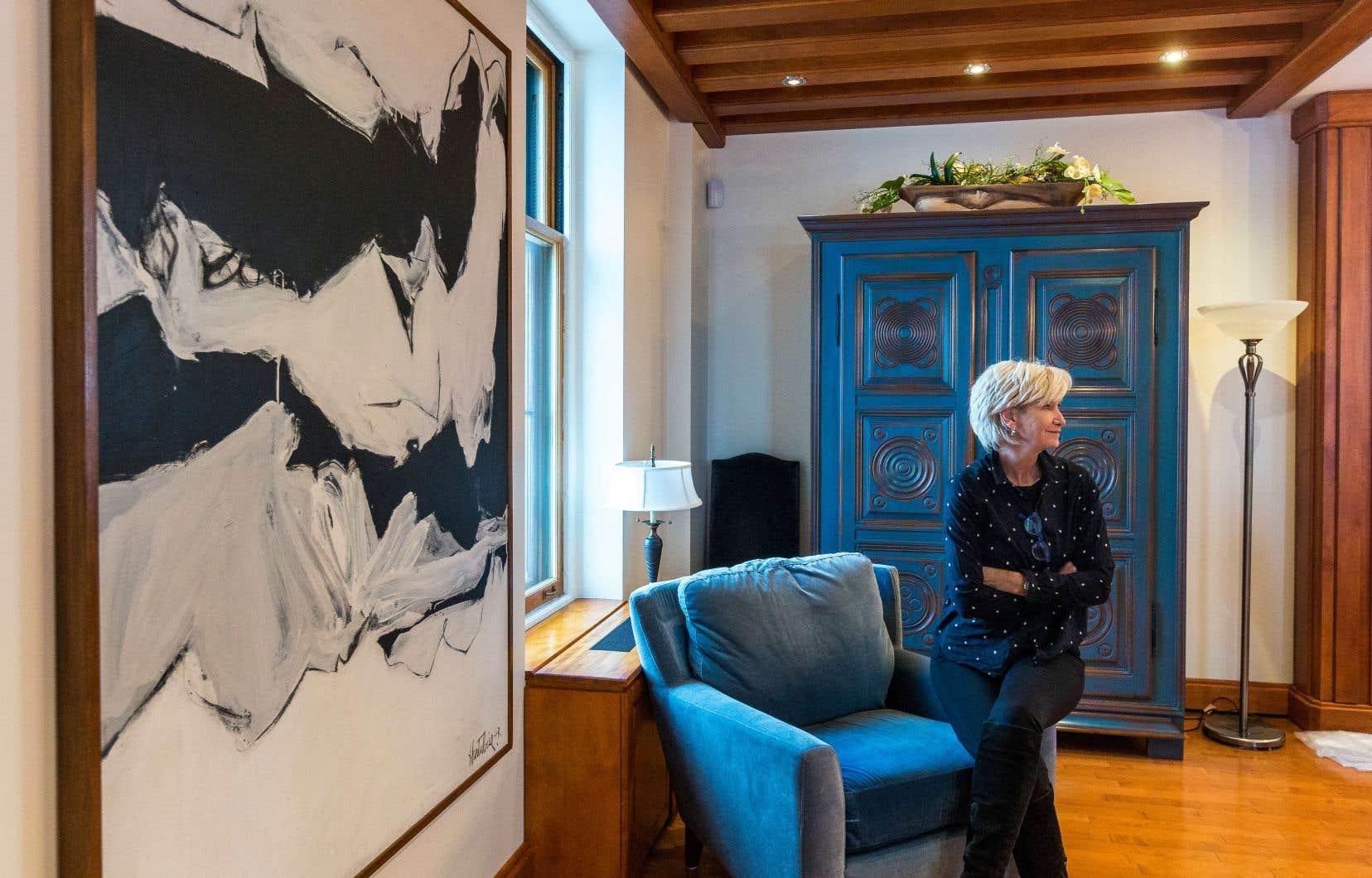 Les tableaux nouvellement installés dans l'appartement de fonction du premier ministre, à Québec