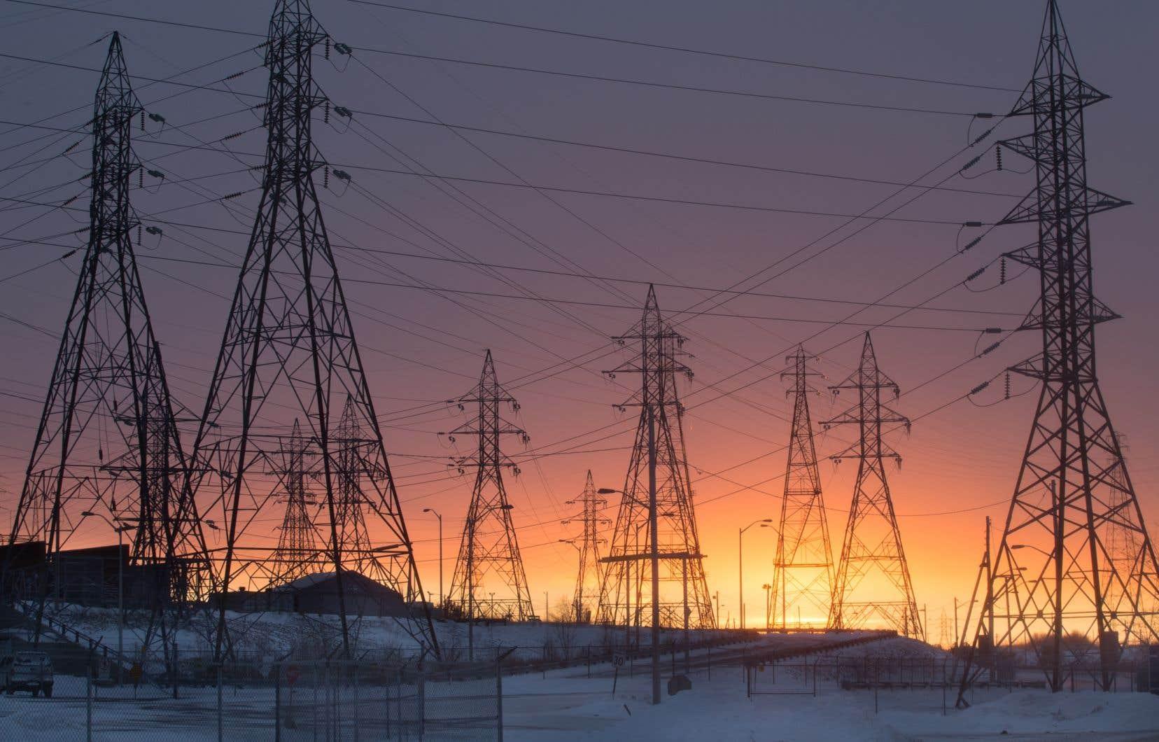 Les projets d'exportation massive d'électricité lancés par Hydro-Québec à l'été 2017 marquent un virage radical par rapport à toutes les exportations réalisées par la société d'État sur le marché de gros du Nord-Est depuis plus de 20ans.