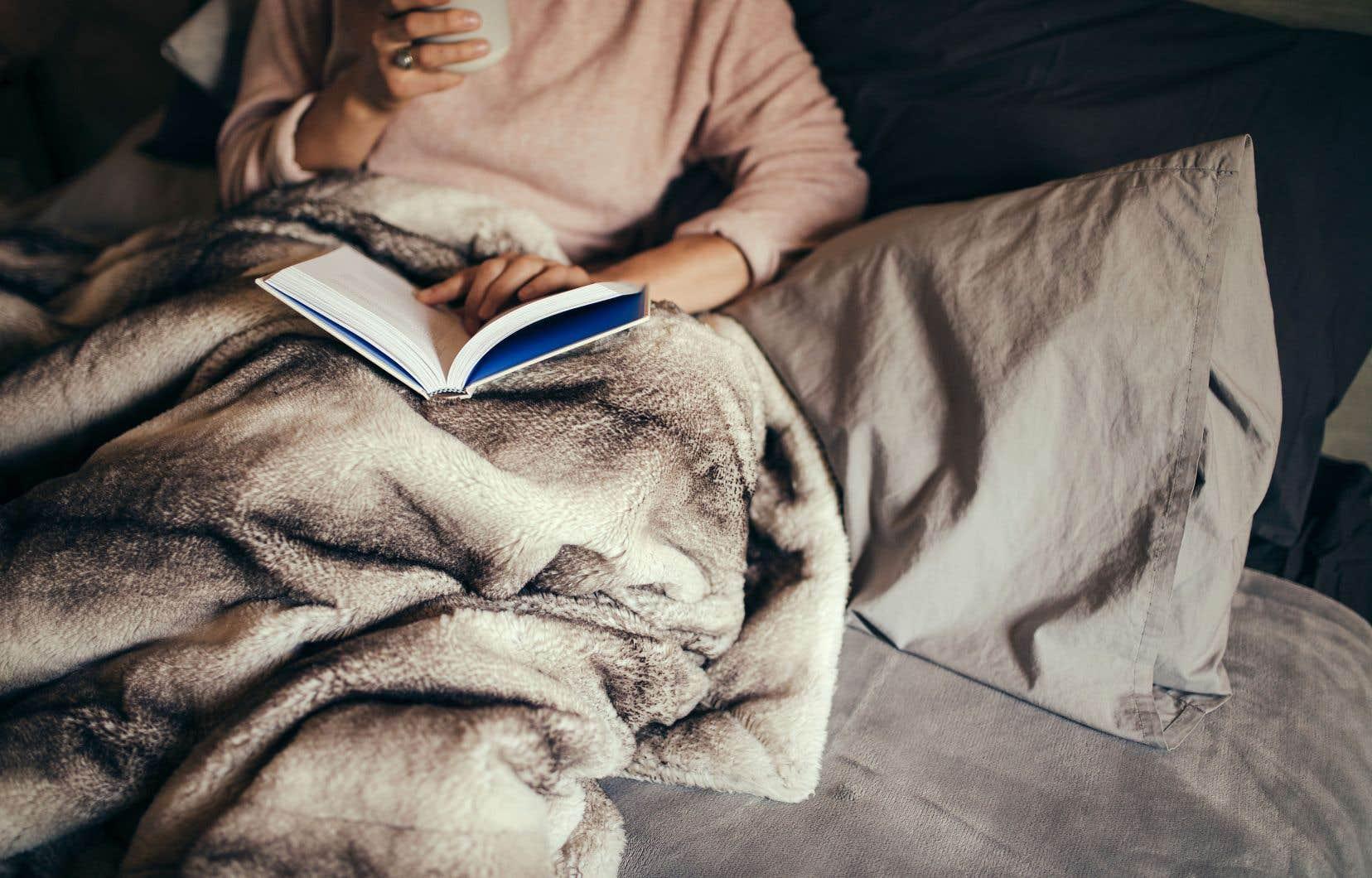Une étude menée en 2010 a prouvé que les employés qui avaient opté pour des vacances relaxantes sans voyager avaient un niveau de bonheur plus élevé. Ceux qui avaient planifié des vacances à l'étranger retournaient au travail… exactement dans le même état qu'avant de partir.