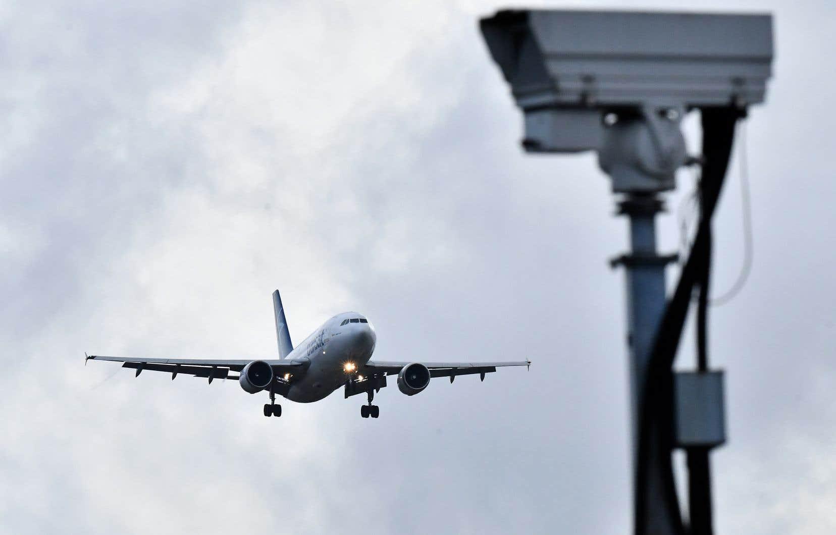 Des drones ont perturbé le trafic à l'aéroport londonien de Gatwick et affecté 120000 voyageurs.