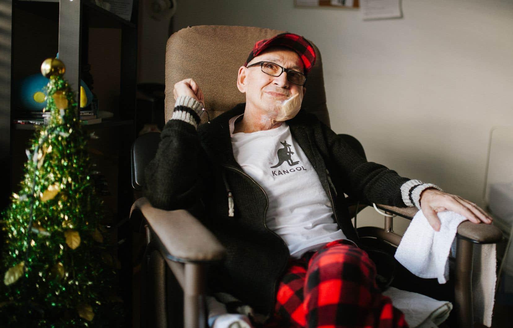 Jean-Pierre Leduc, dans sa chambre aux soins palliatifs de la Maison Adhémar-Dion, à Terrebonne