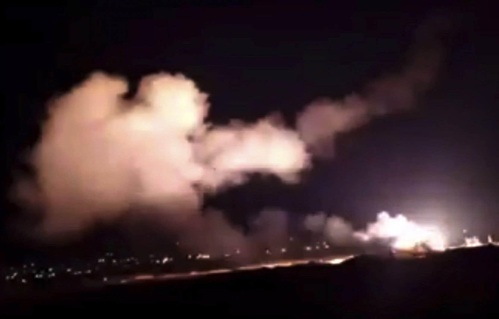 La défense antiaérienne de l'armée syrienne est entrée en action contre des «missiles» israéliens, mardi soir, a rapporté l'agence de presse officielle Sana.
