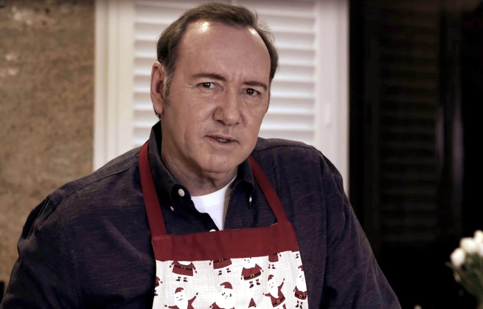 Dans la vidéo titrée «Let MeBe Frank» (un jeu de mot pour dire «laissez-moi être Frank [Underwood]» ou «franc»), la mise en abyme est constante.