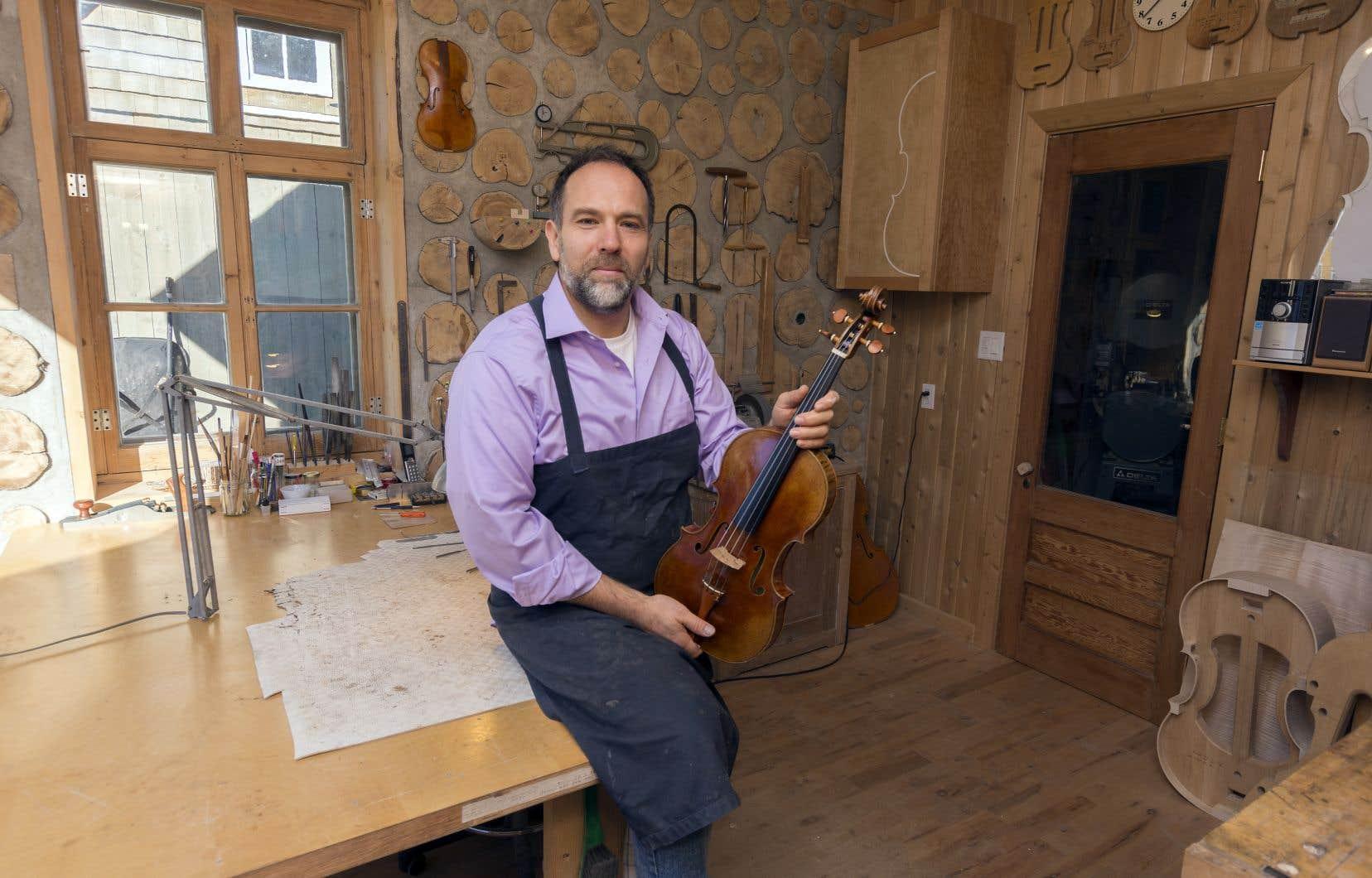 Martin Héroux dans son atelier