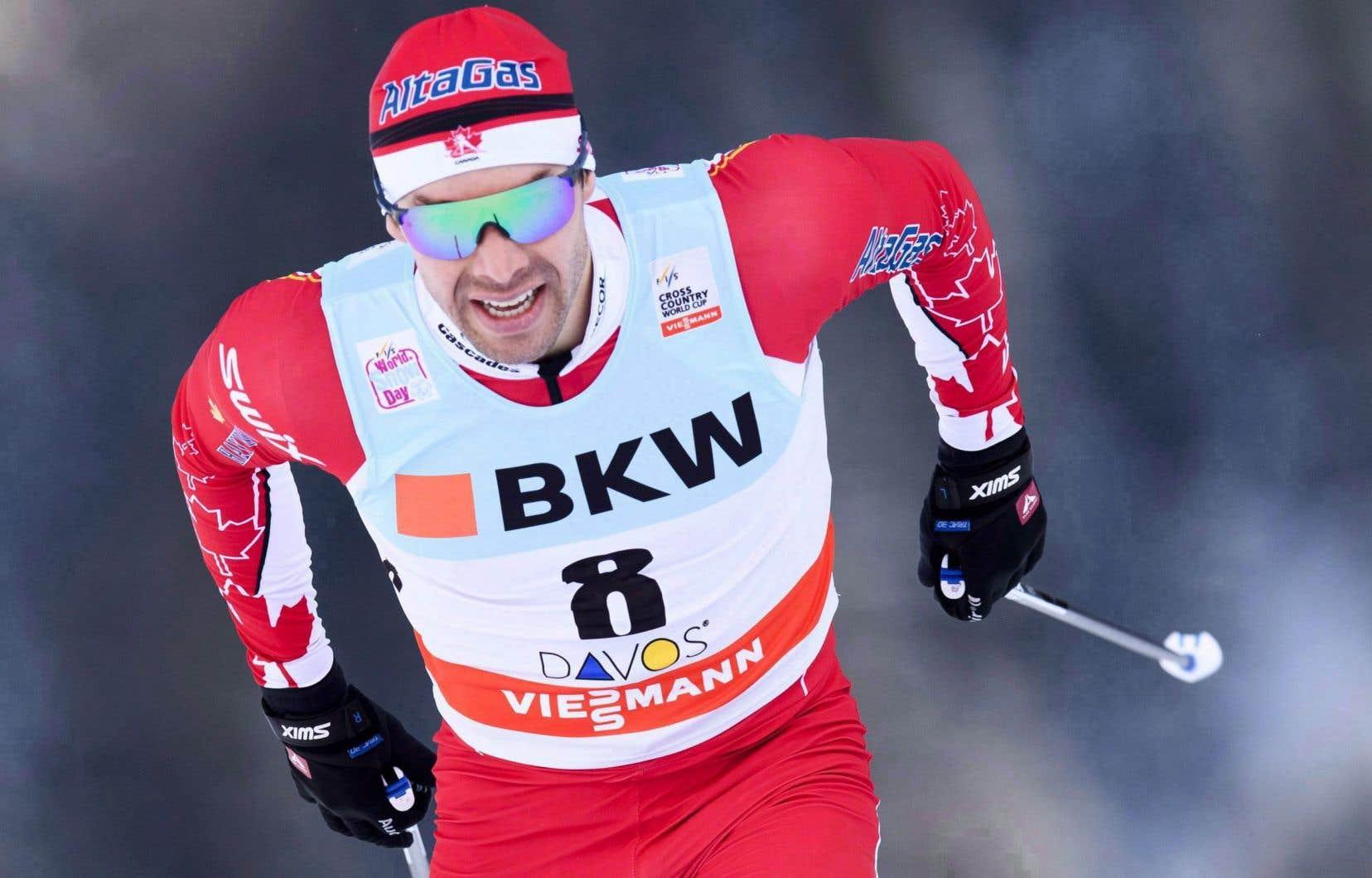 Le Québécois Alex Harvey a inscrit une 14eplace sur 15km au Tour de ski, dimanche.