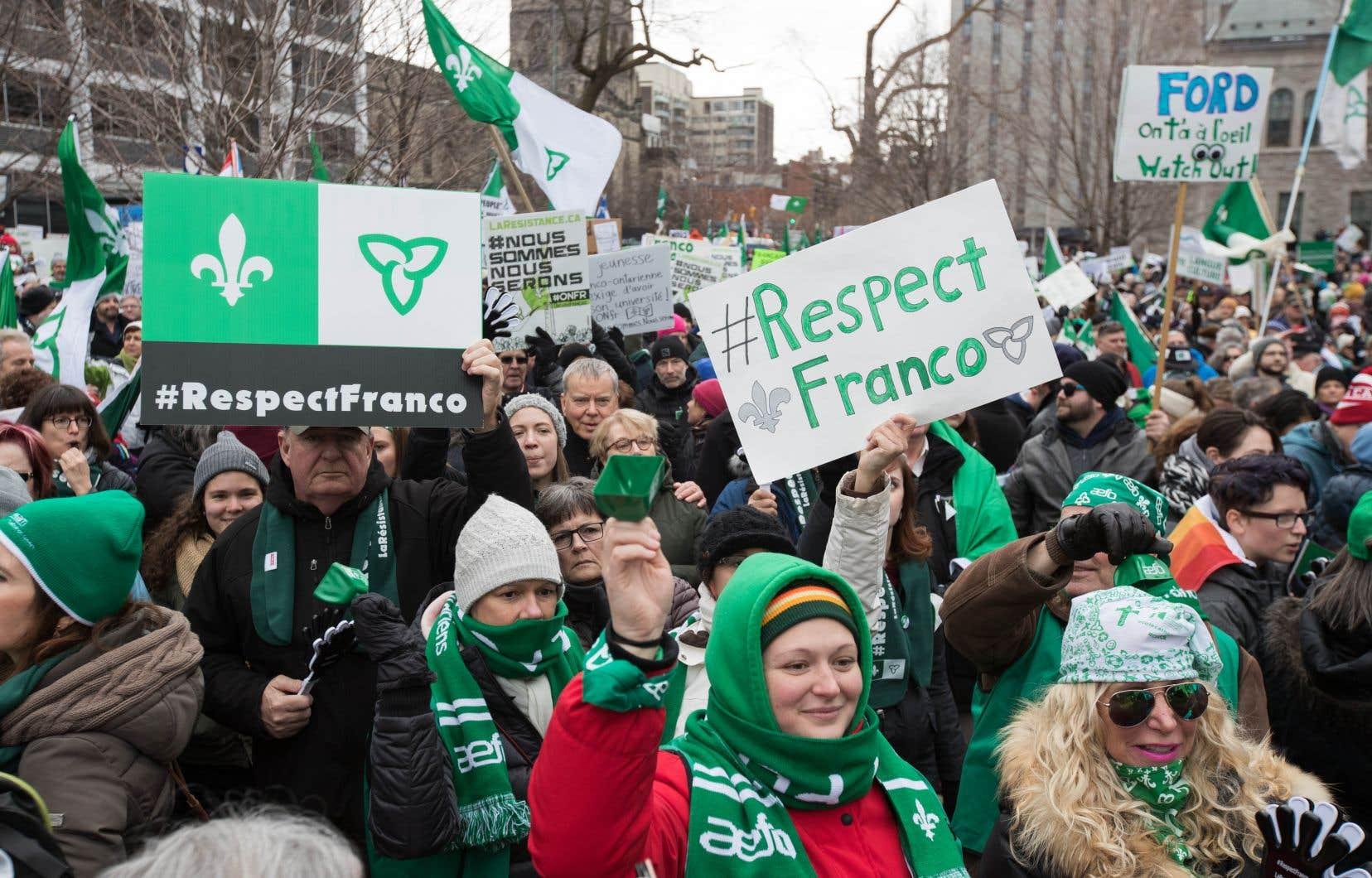 Ce que vit la francophonie ontarienne est un signal d'alarme pour l'ensemble de la francophonie canadienne.
