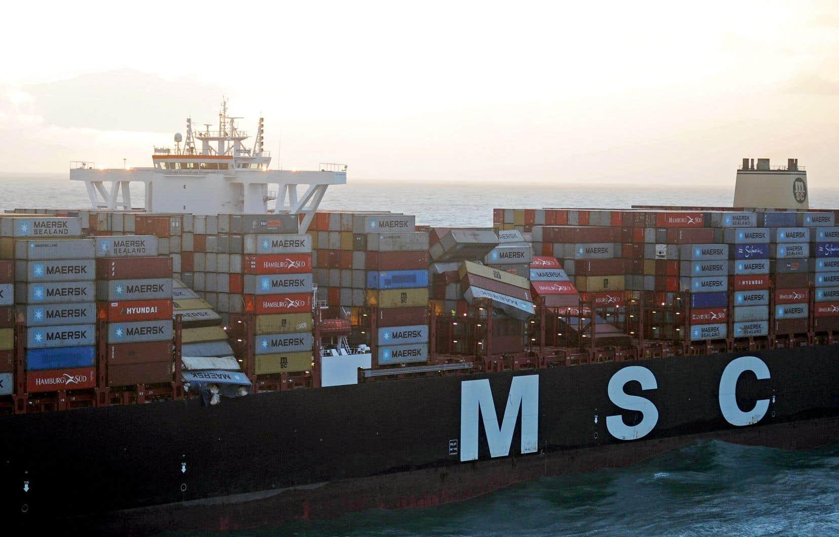 Les conteneurs du MSC Zoe sont tombés à l'eau près de l'île allemande de Borkum.