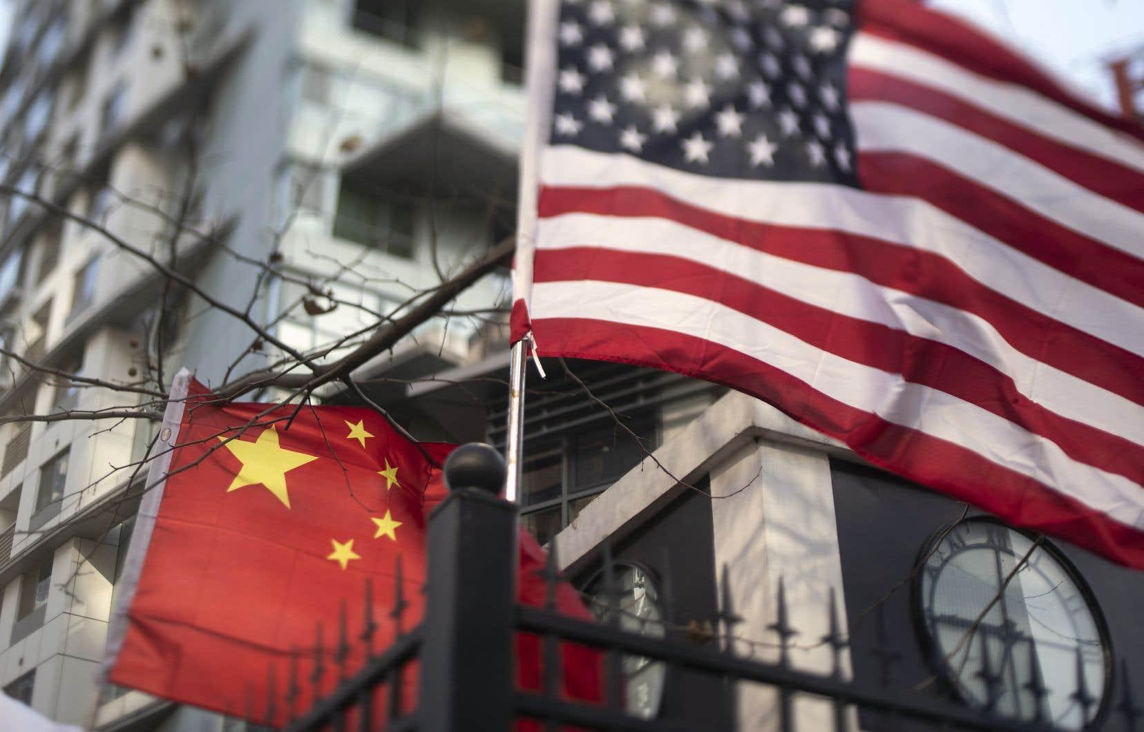La Chine et les États-Unis, les deux plus grandes économies, sont les «principaux moteurs du monde», souligne Song Lifang, économiste à l'Université Renmin de Pékin. Cela fait de leur différend «une question non seulement pour les deux pays, mais pour tout le monde», ajoute-t-il.