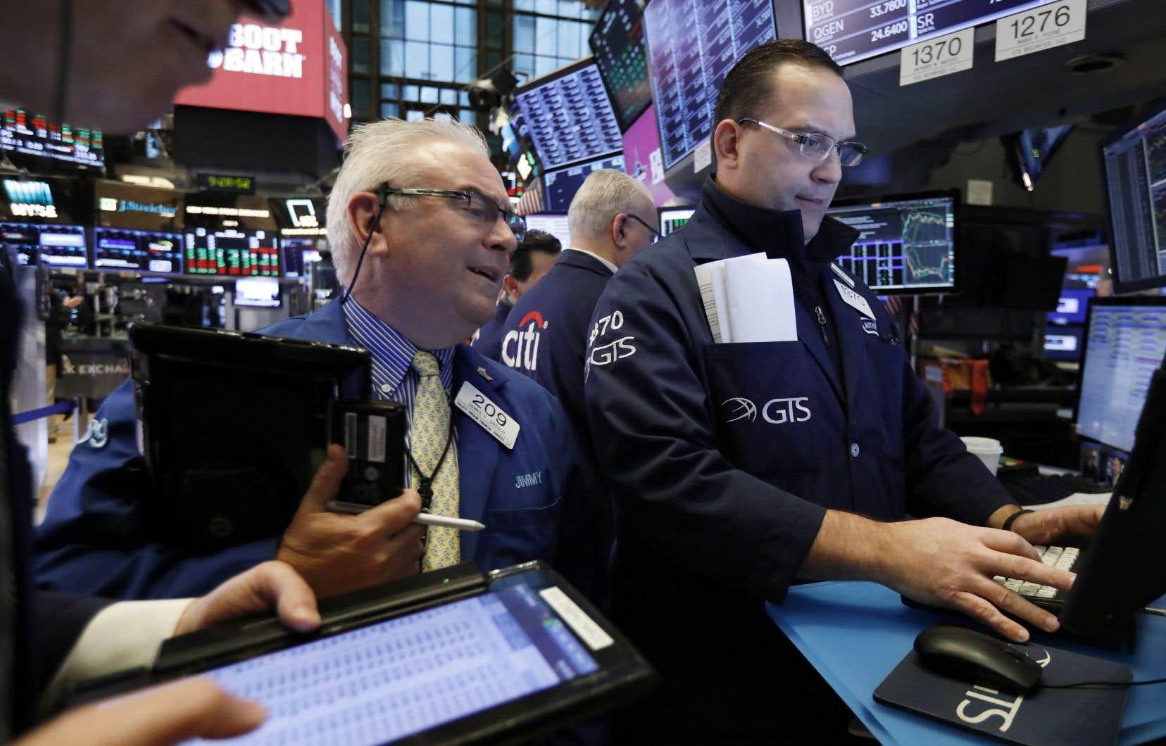 Vers 11h5, l'indice vedette de Wall Street prenait 2,91% à 23 347,16 points.